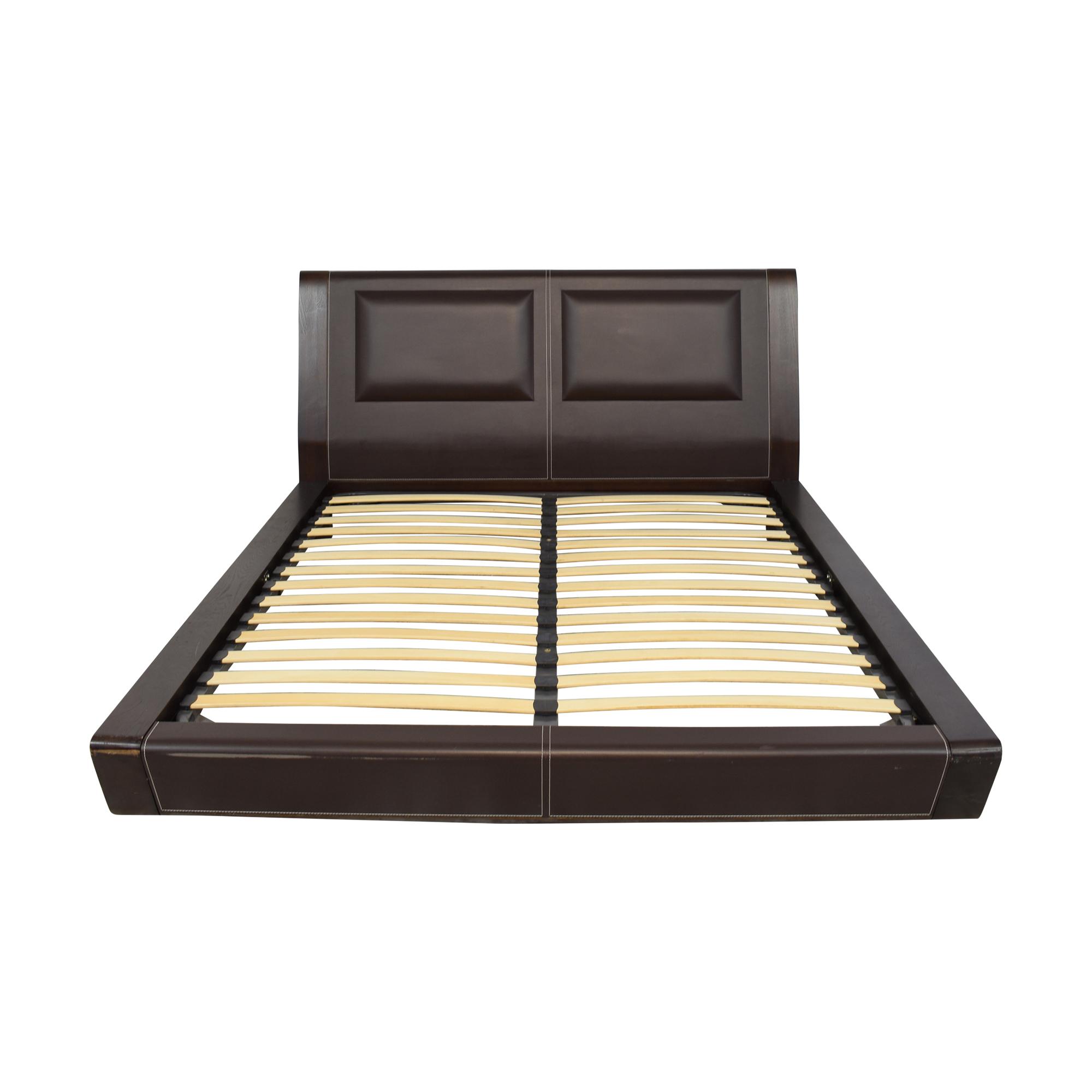 J&M Furniture J&M Modern Queen Platform Bed pa