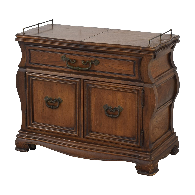 Vanleigh Furniture Vanleigh Expandable Bar Tabl Utility Tables