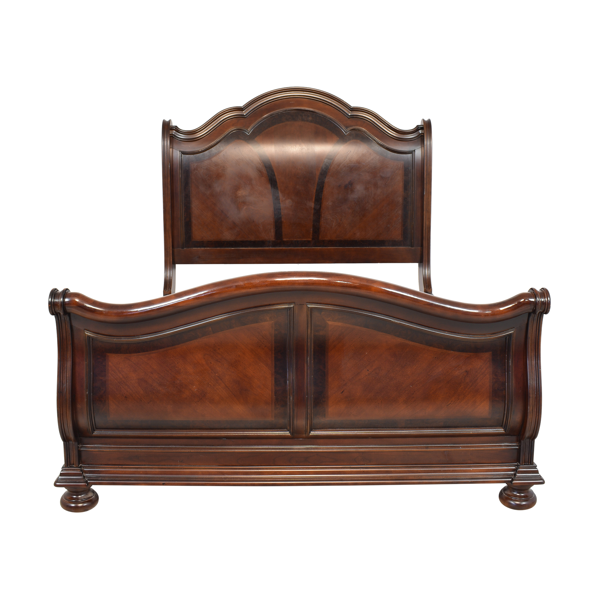 Raymour & Flanigan Raymour & Flanigan Queen Sleigh Bed second hand