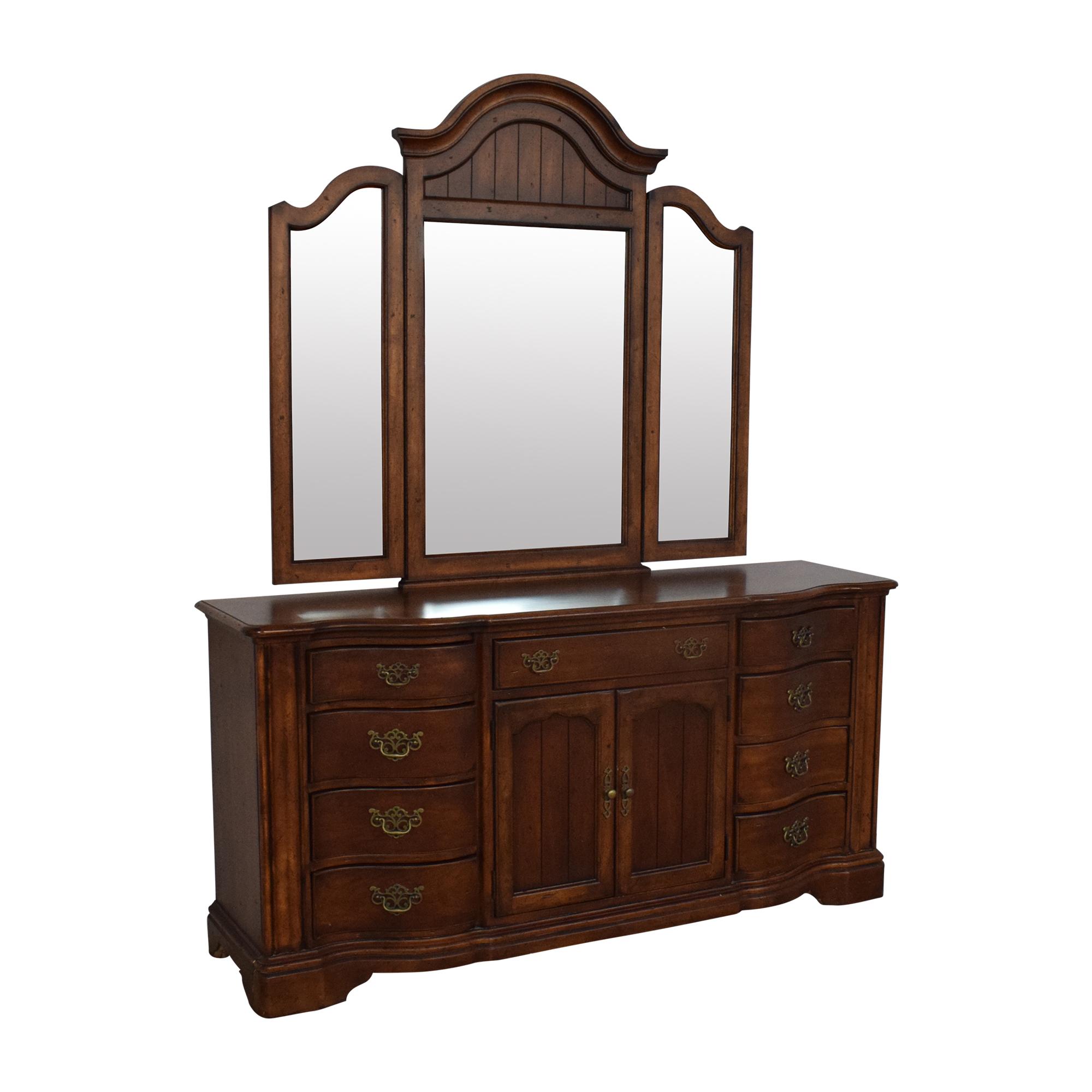 Universal Furniture Universal Furniture Dresser with Mirror ct