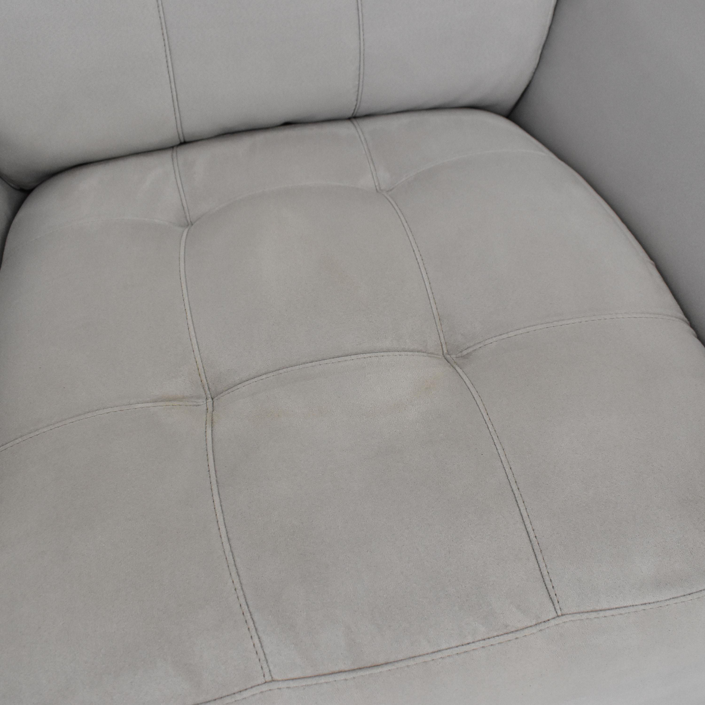Raymour & Flanigan Raymour & Flanigan Lounge Chair used