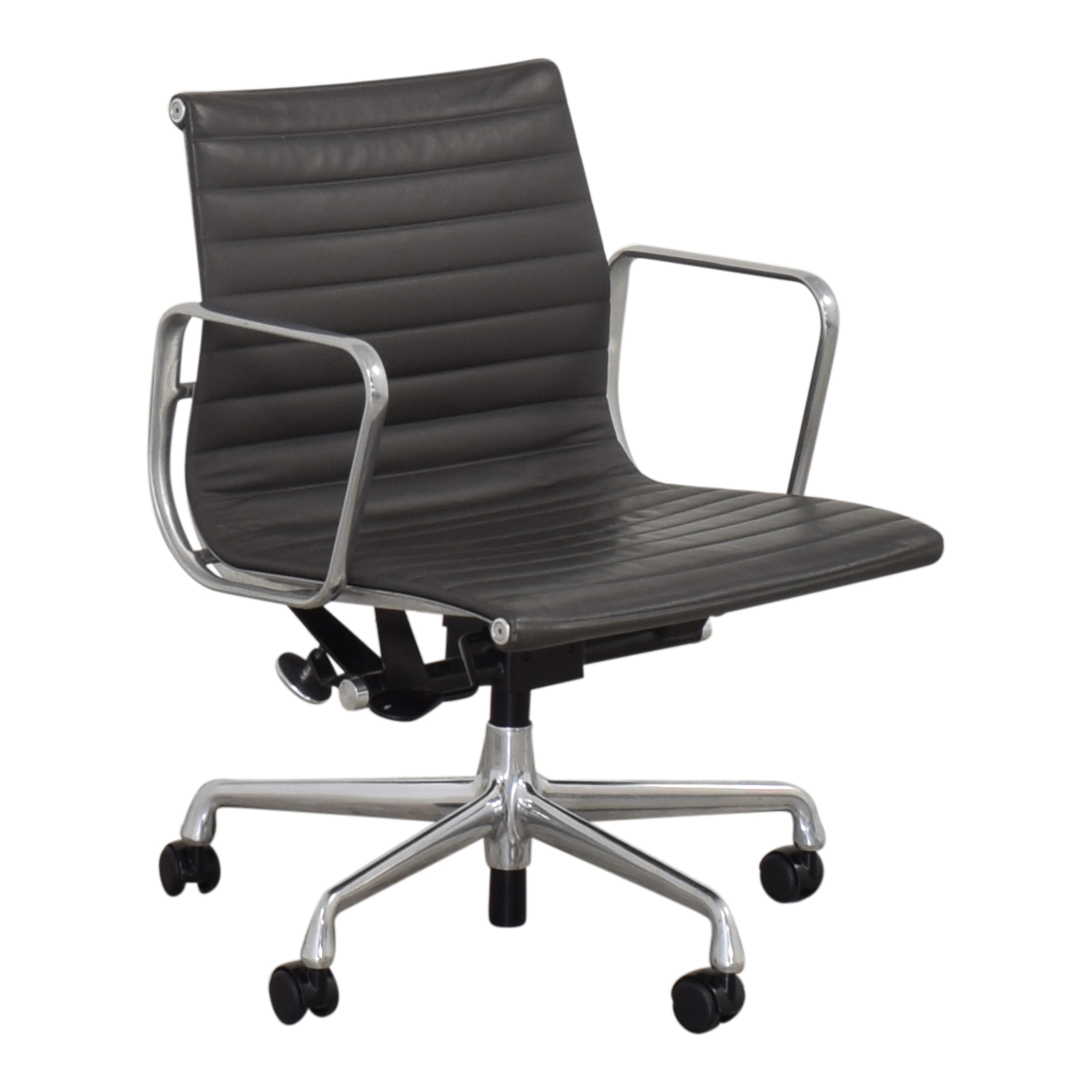 Herman Miller Eames Aluminum Group Management Chair sale