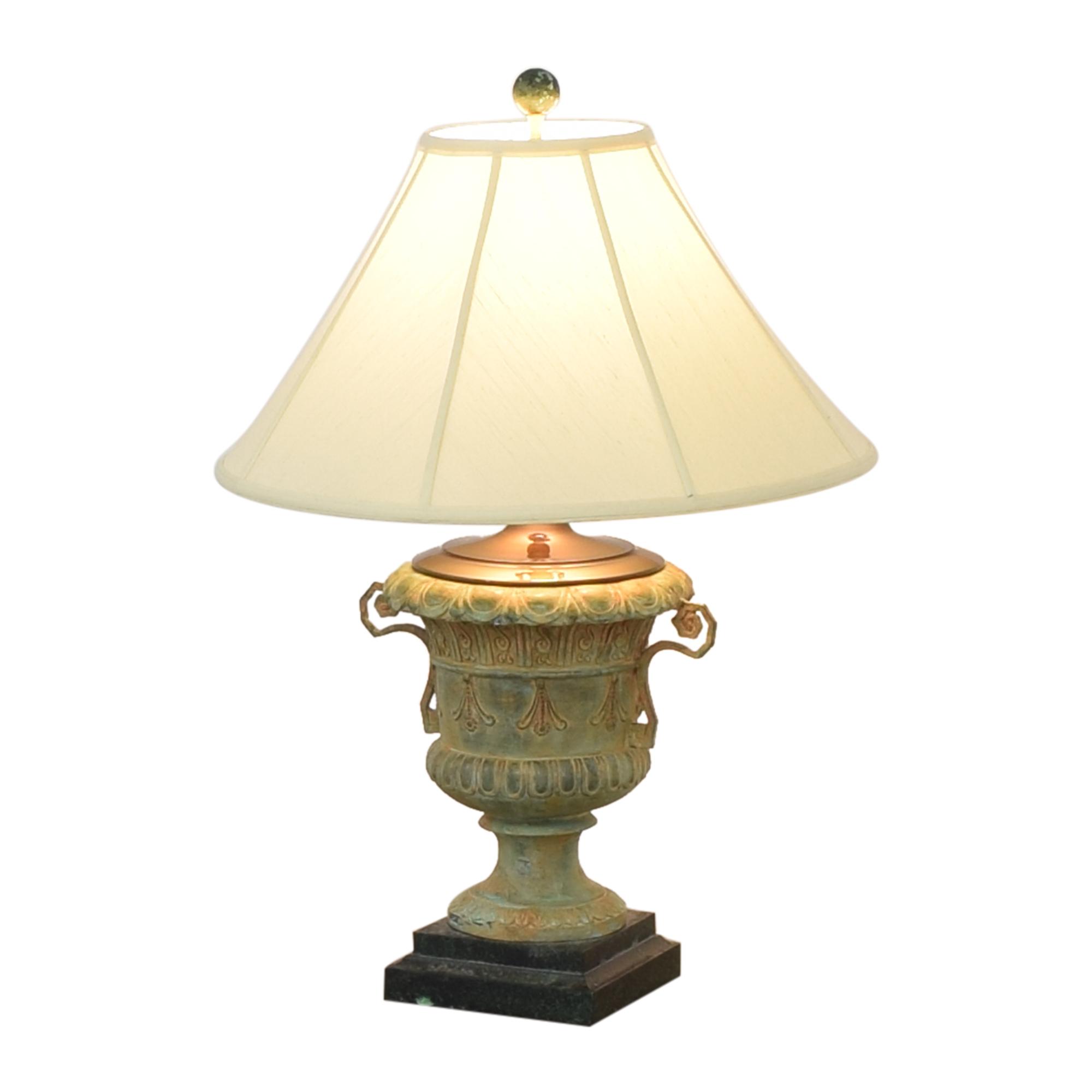 Canterbury Urn Style Table Lamp nj