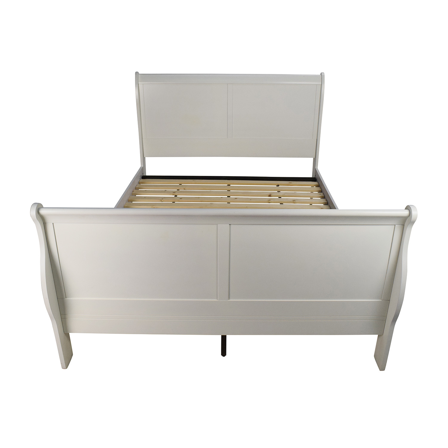 - 84% OFF - White Wooden Queen Sleigh Bed / Beds