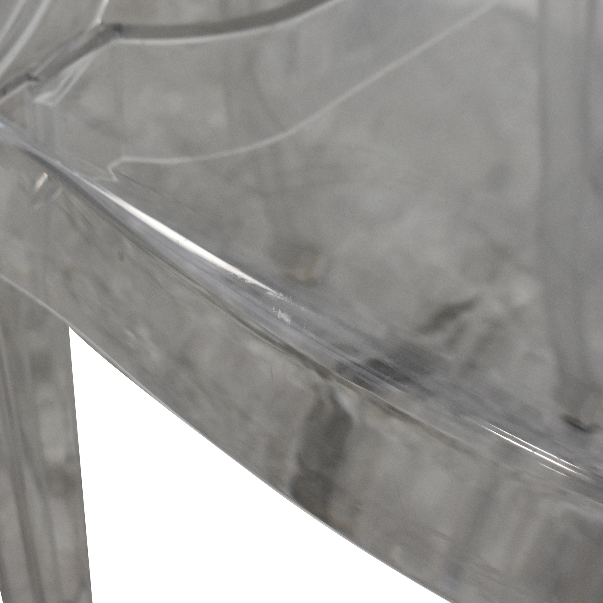 Kartell Kartell Louis Ghost Chairs by Phillipe Starck pa
