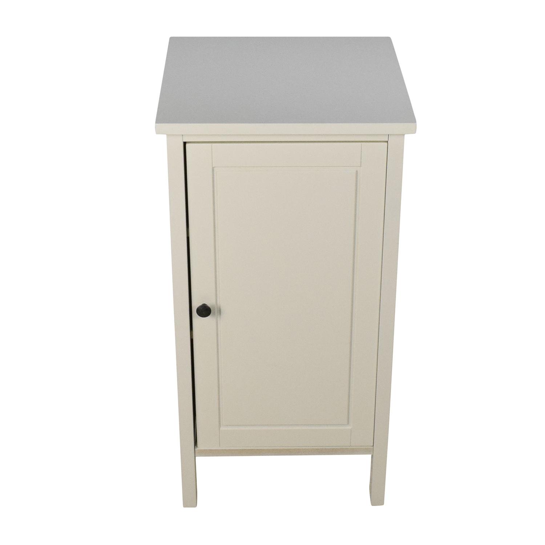 4c0167f917a 86% OFF - IKEA IKEA Hemnes Bedside Table   Tables