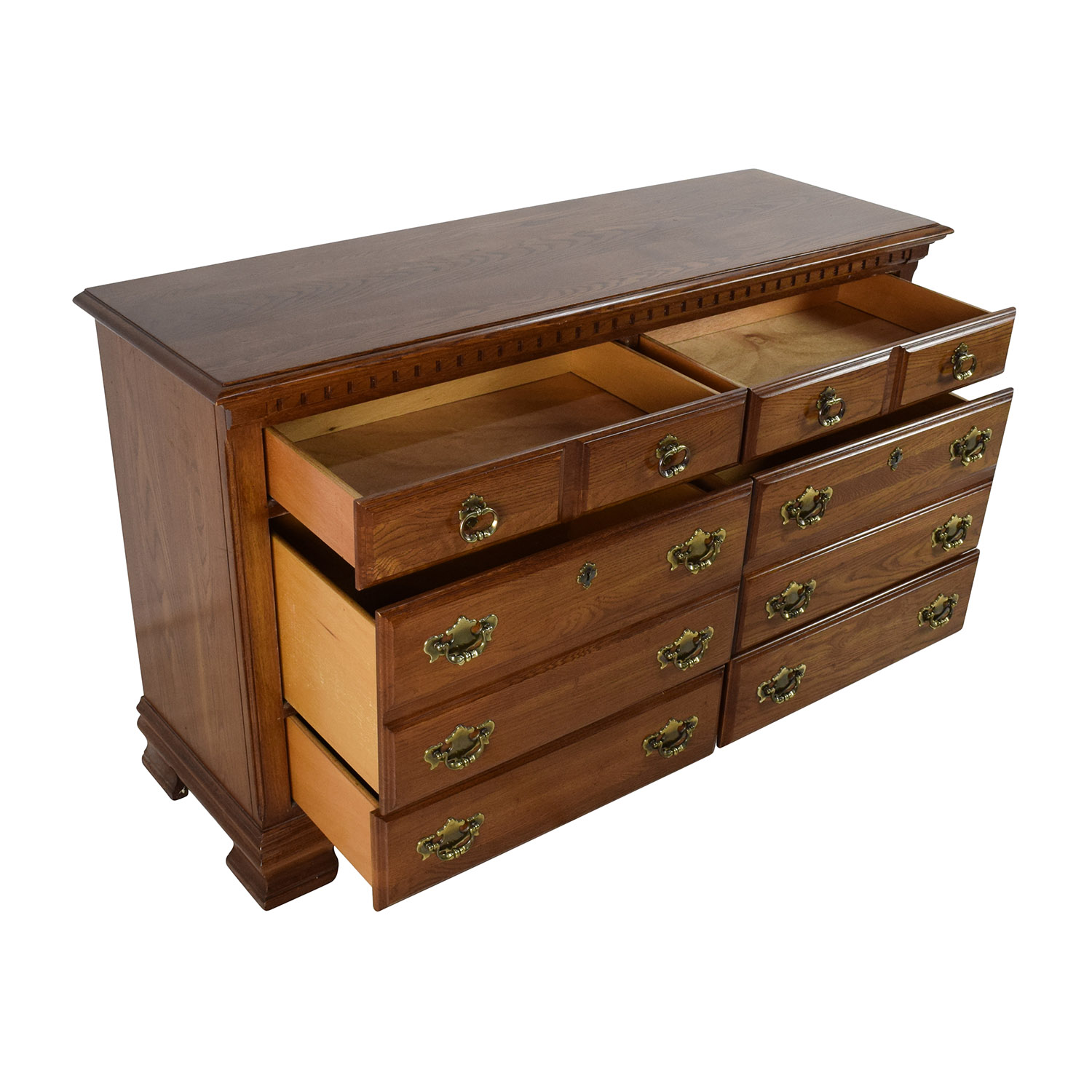 64 Off Kincaid Furniture Kincaid Furniture Solid Wood Dresser Storage