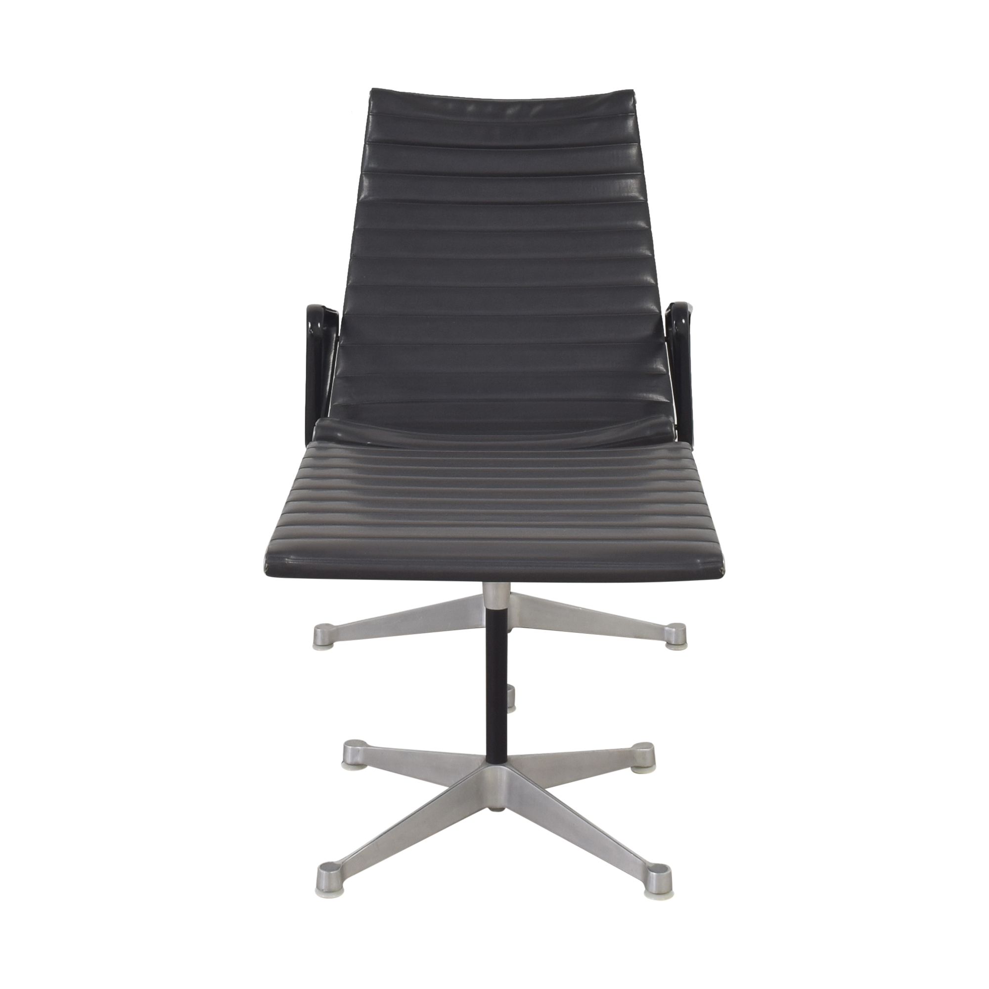 Herman Miller Herman Miller Eames Aluminum Group Lounge with Ottoman Accent Chairs