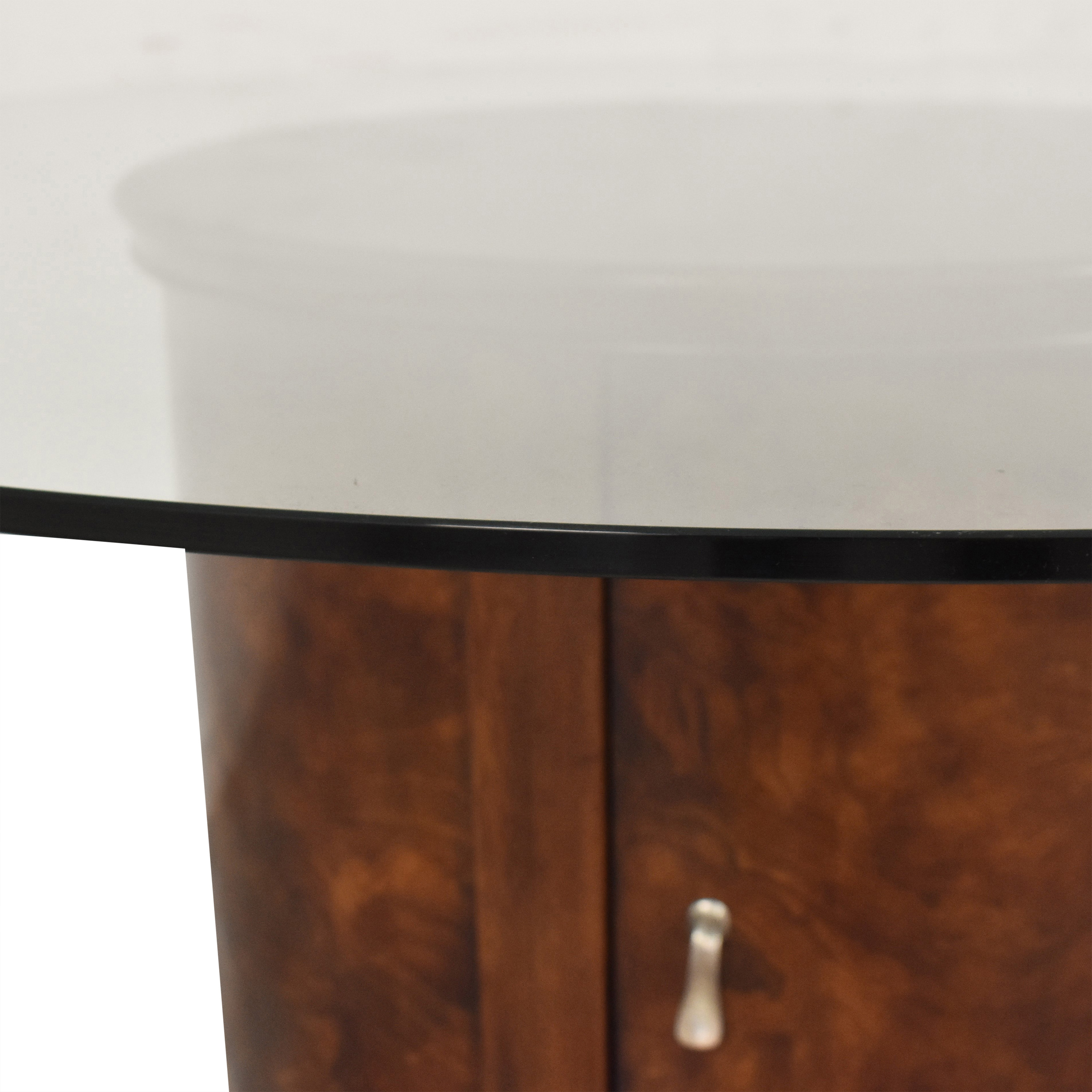 Raymour & Flanigan Raymour & Flanigan Round Dining Table for sale
