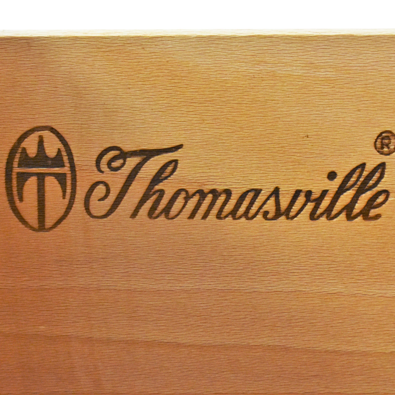 Thomasville Thomasville Dresser with Trifold Mirror Dressers