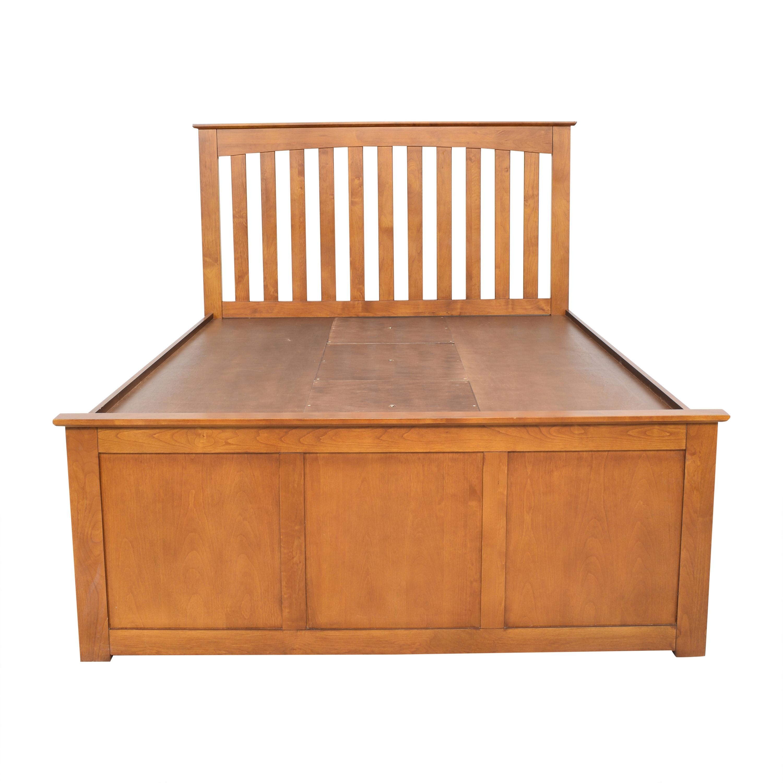 buy Raymour & Flanigan Raymour & Flanigan Everitt Queen Storage Bed online