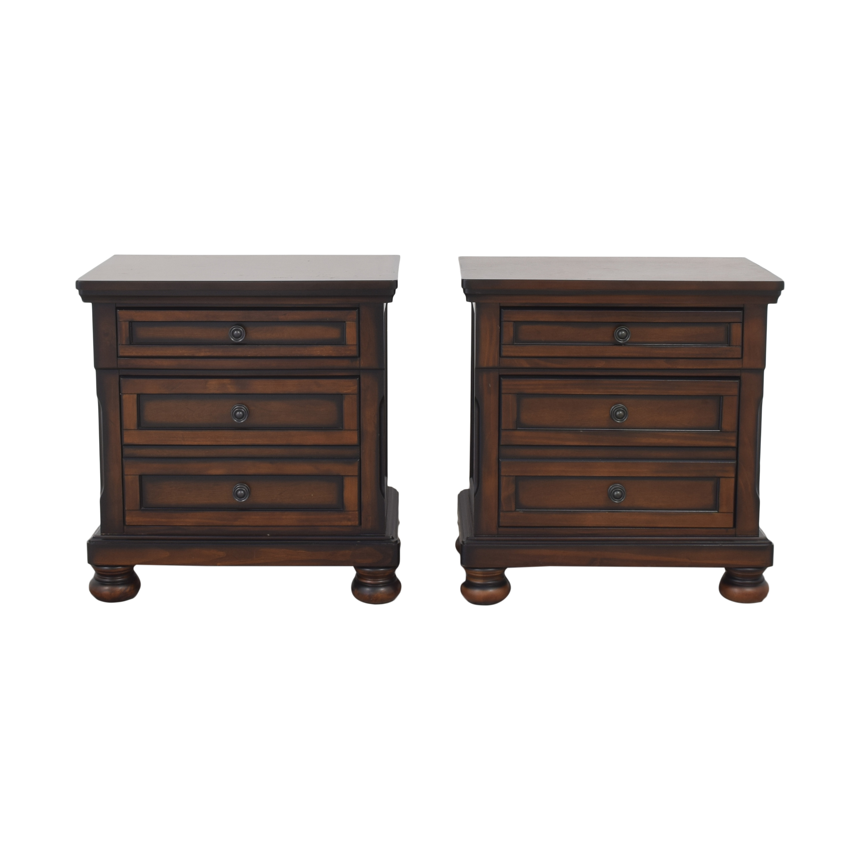 Raymour & Flanigan Raymour & Flanigan Donegan Nightstands Tables