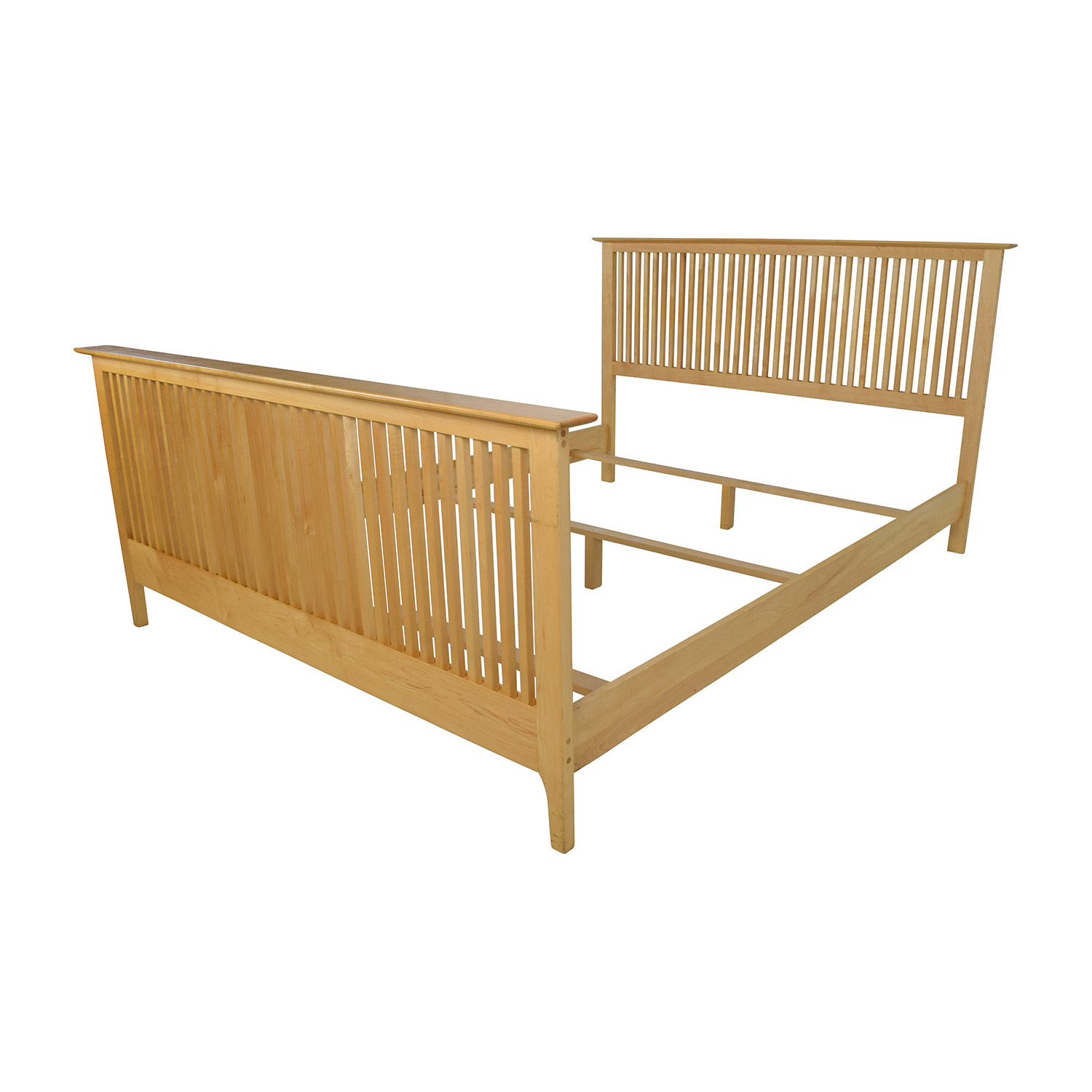 82% OFF - Copeland Copeland Solid Maple Shaker Queen Bed Frame / Beds