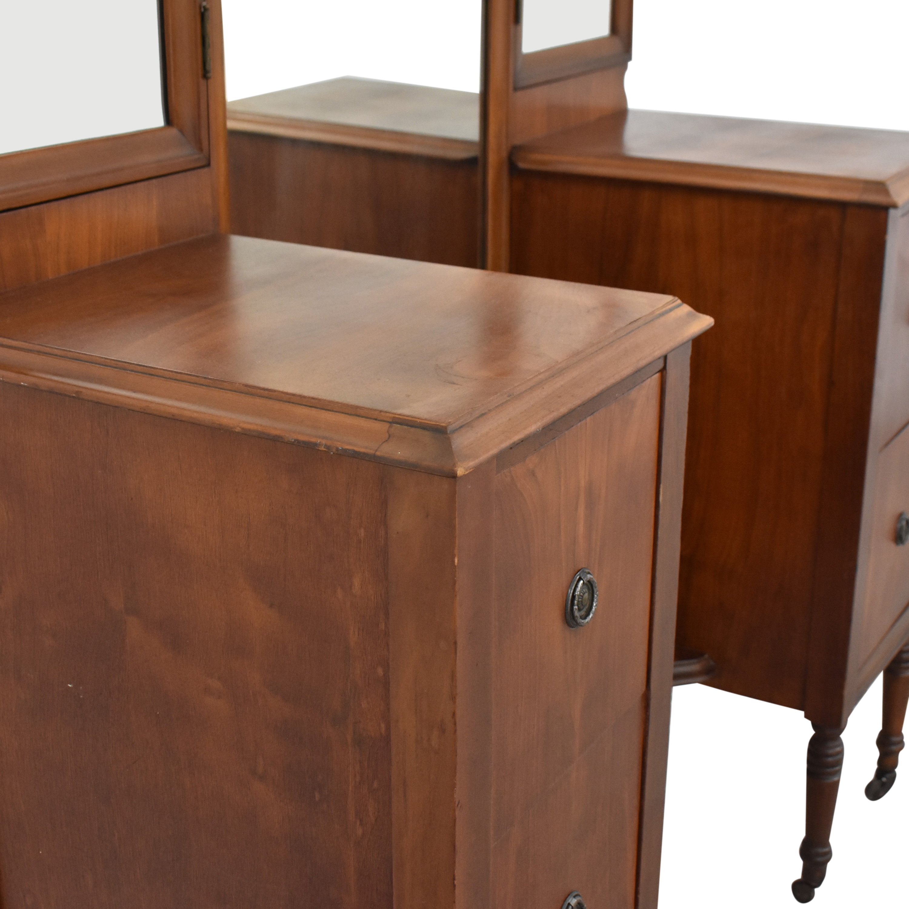 Star Furniture Star Furniture Vintage Vanity with Trifold Mirror coupon