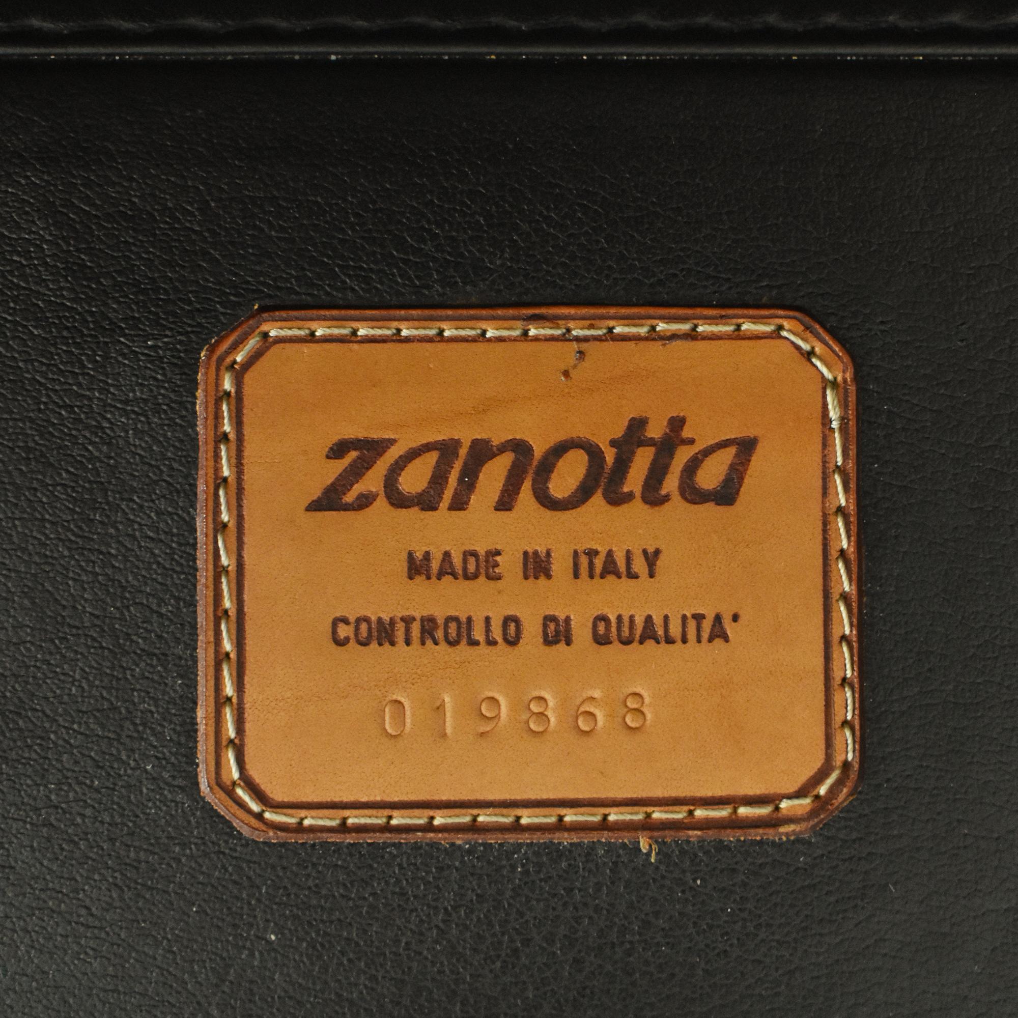 Zanotta Zanotta Vintage Style Sofa second hand