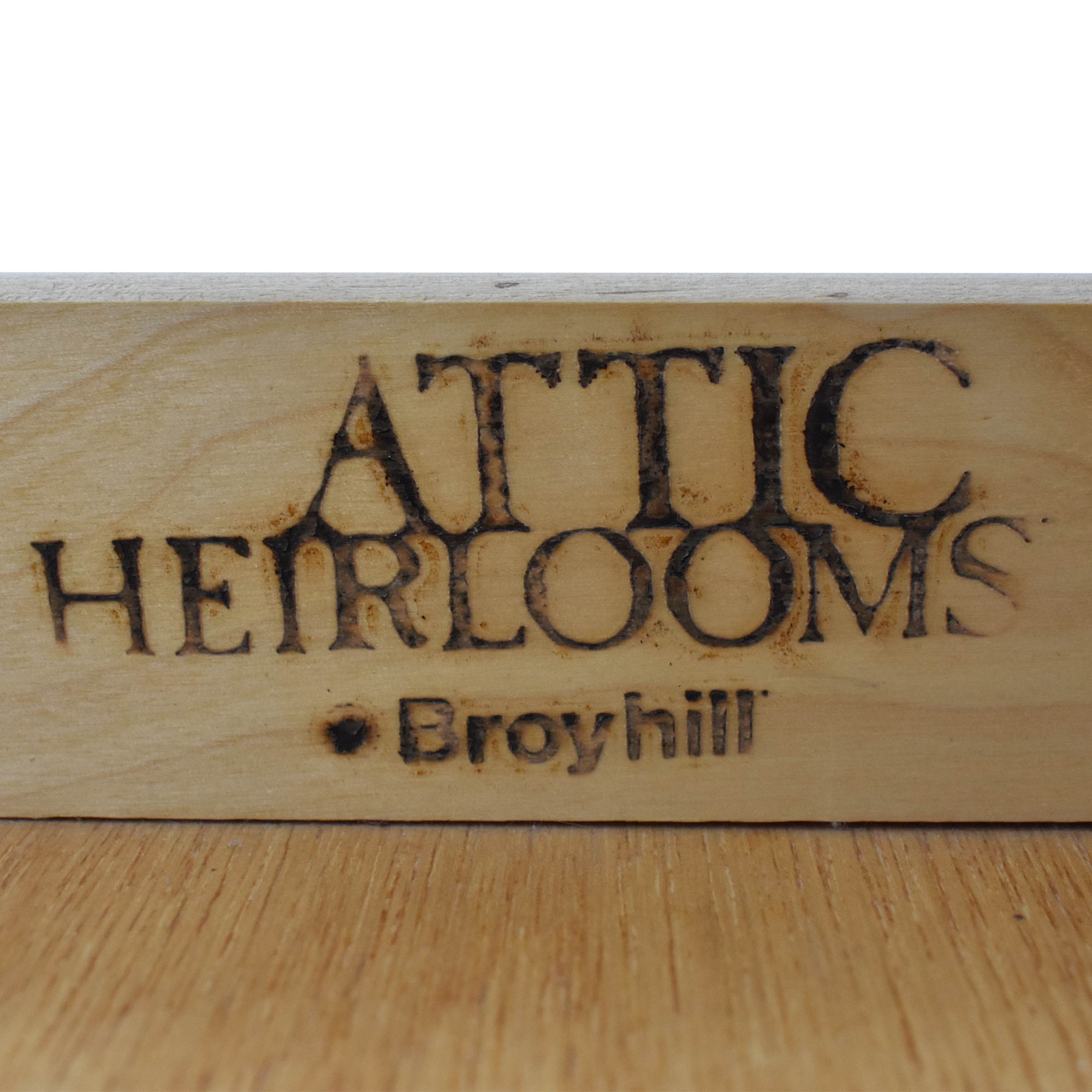 Broyhill Furniture Attic Heirlooms Cocktail Table / Tables