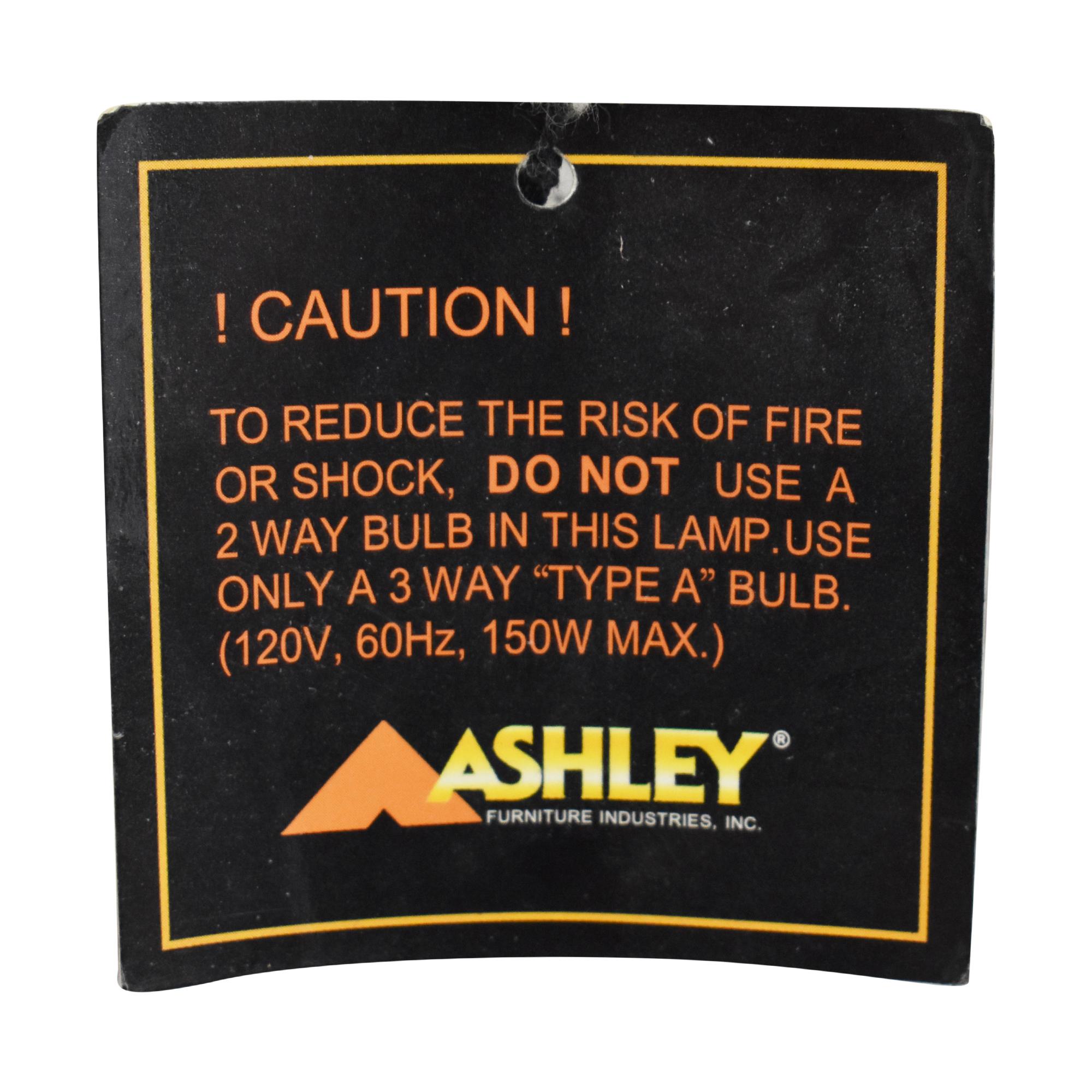 Ashley Furniture Ashley Furniture Deborah Table Lamp pa