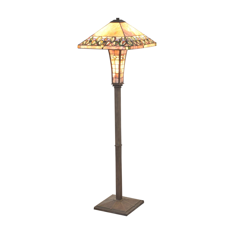 Tiffany-Style Floor Lamp pa