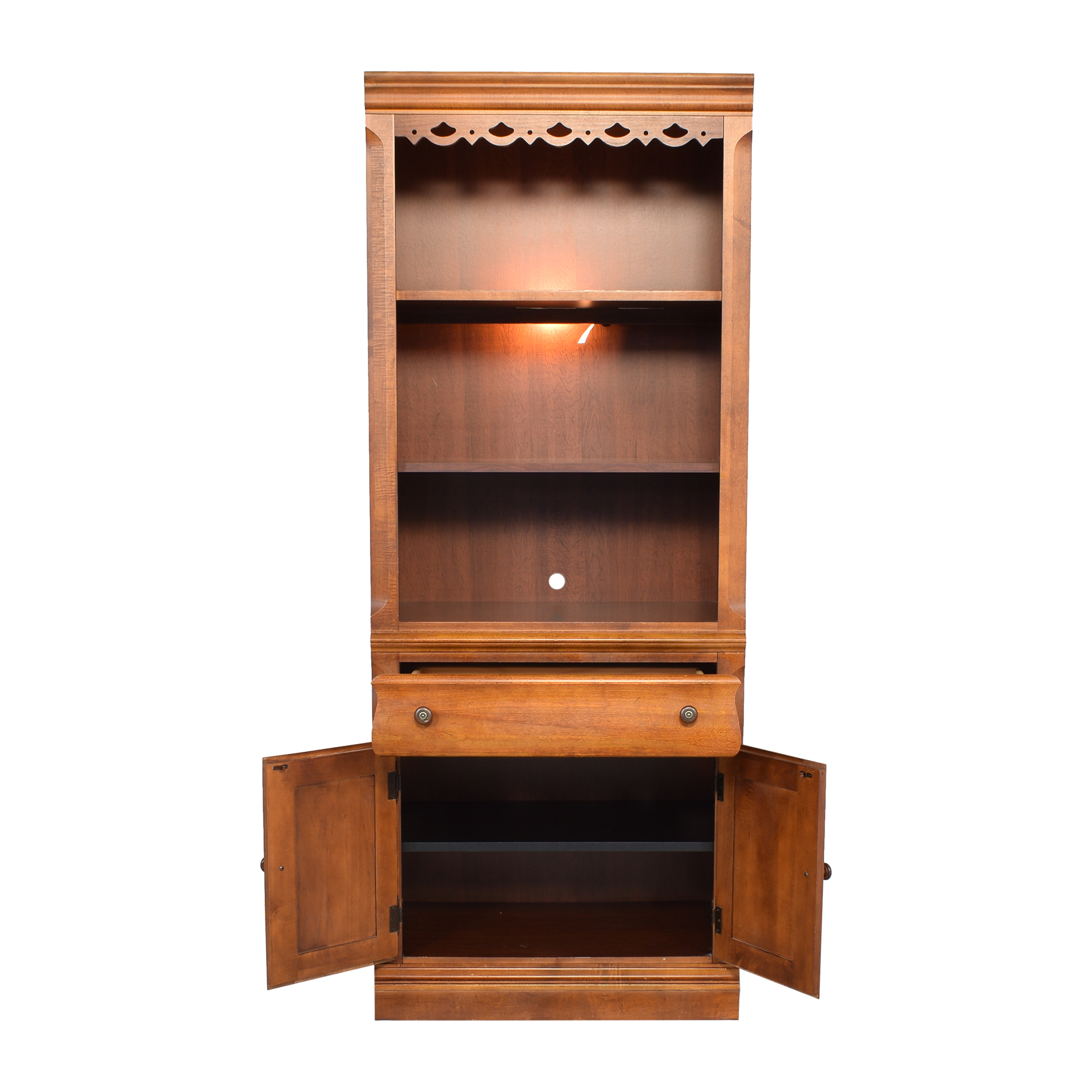 Broyhill Furniture Broyhill Furniture Lighted Bookcase second hand