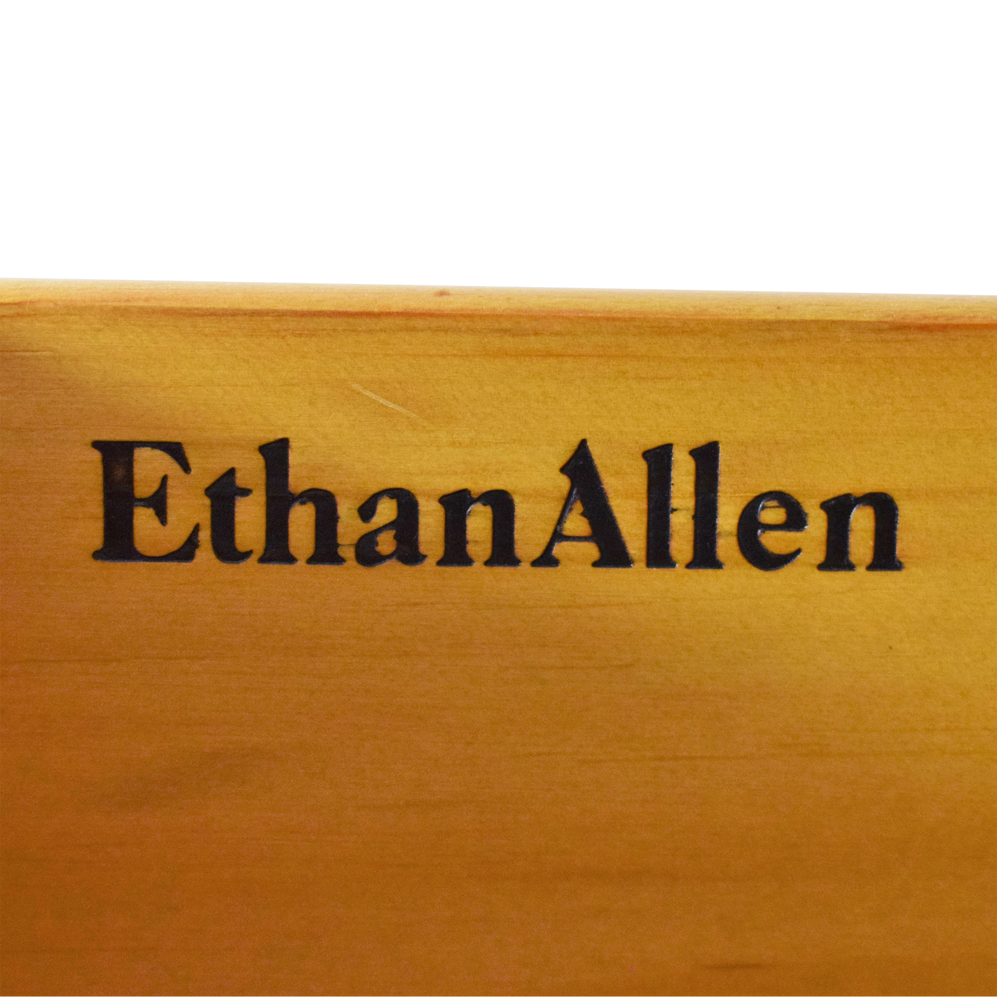 Ethan Allen Ethan Allen Hutch with Cabinets ct
