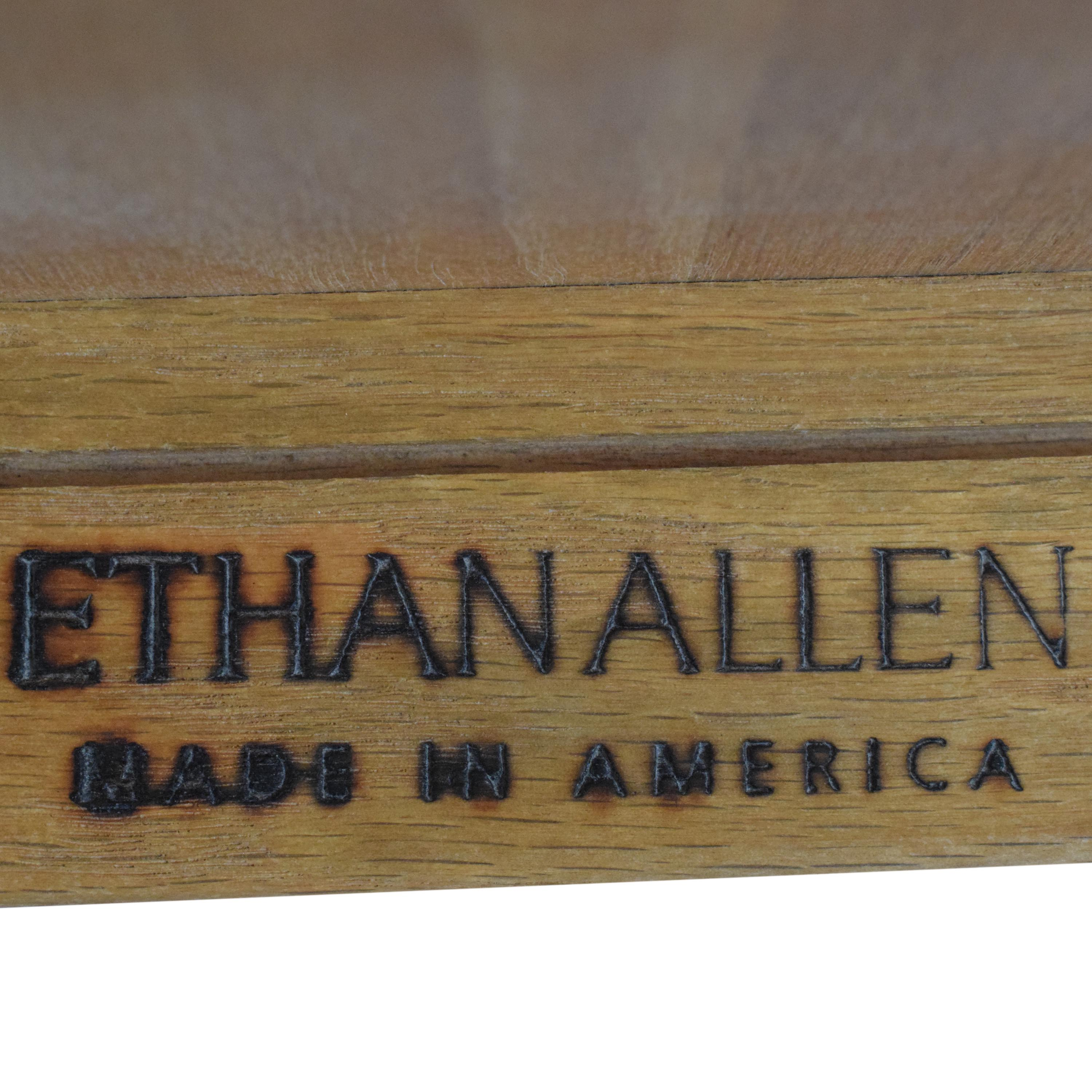 Ethan Allen Ethan Allen Extendable Dining Table pa