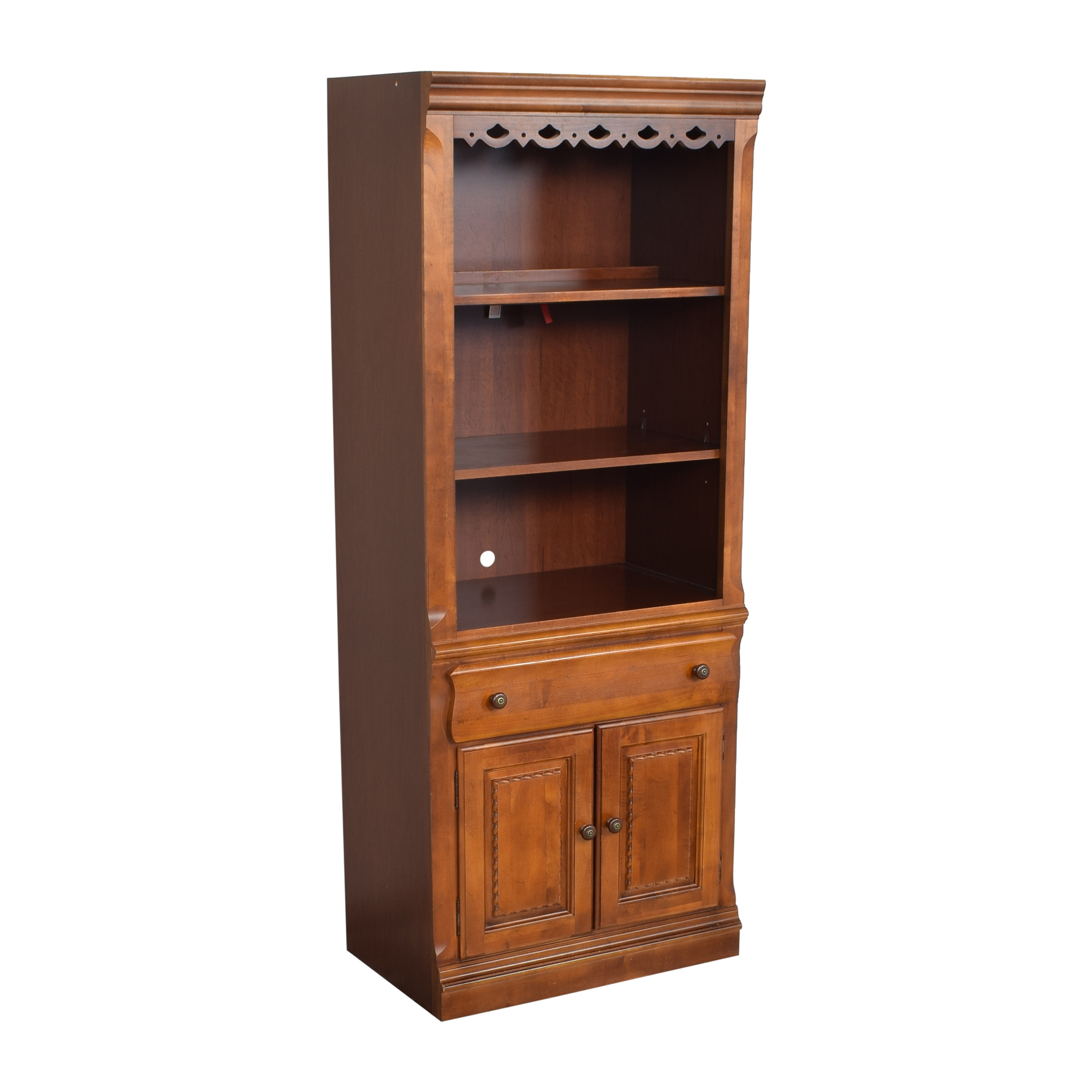 Broyhill Furniture Broyhill Furniture Lighted Bookcase used