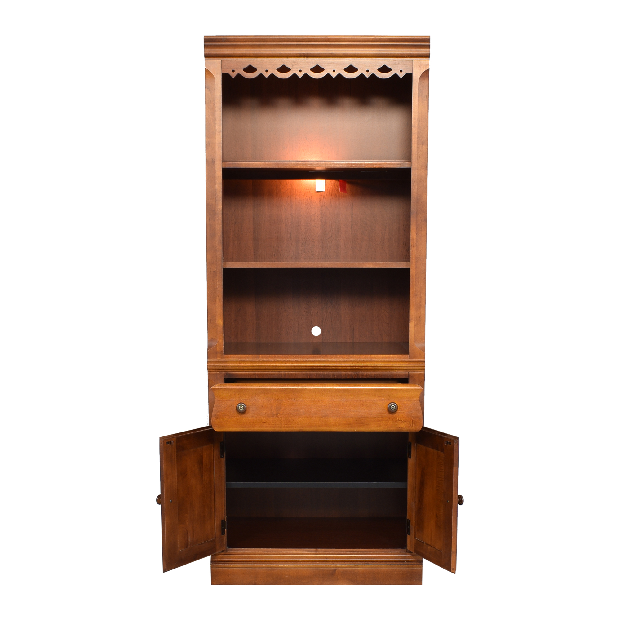 Broyhill Furniture Broyhill Furniture Lighted Bookcase ma