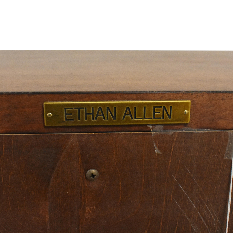 Ethan Allen Ethan Allen Pedestal Desk with Hutch nj