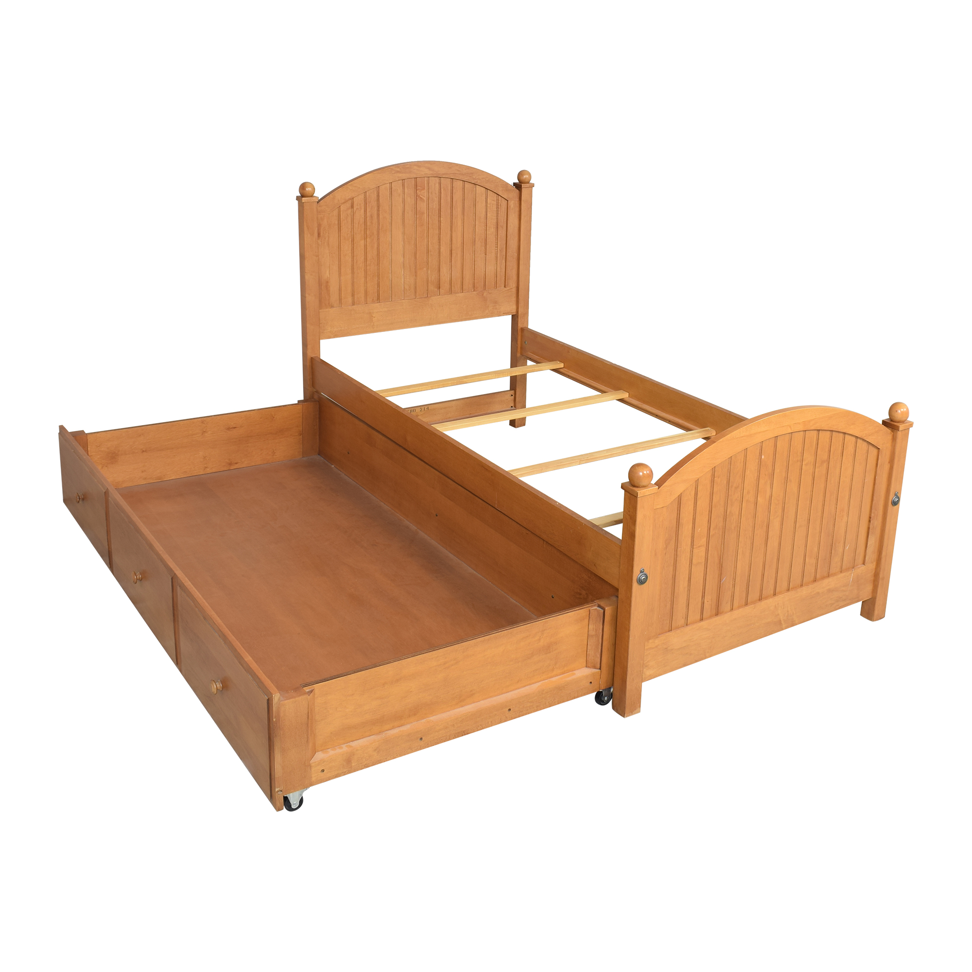 Ethan Allen Country Colors Twin Bed with Trundle / Beds