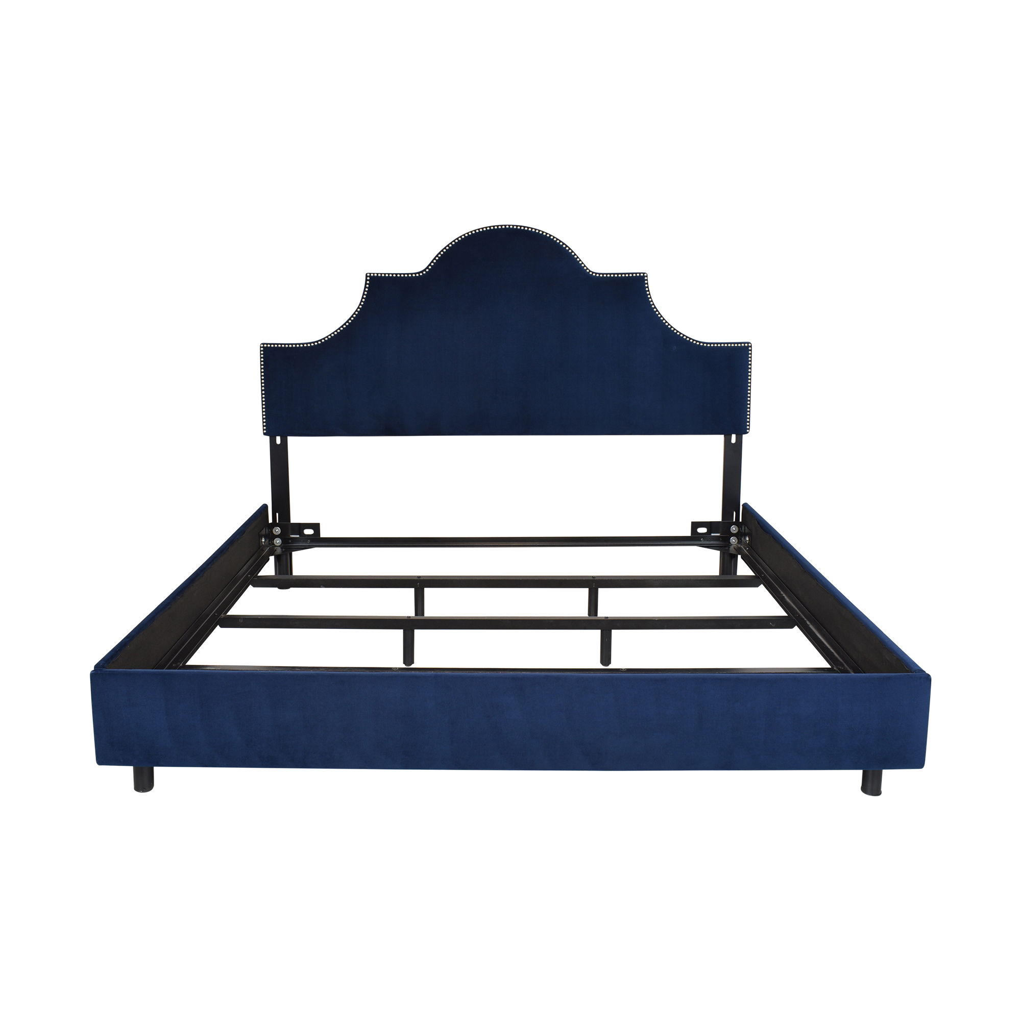 Skyline Nailhead King Bed with Headboard / Beds