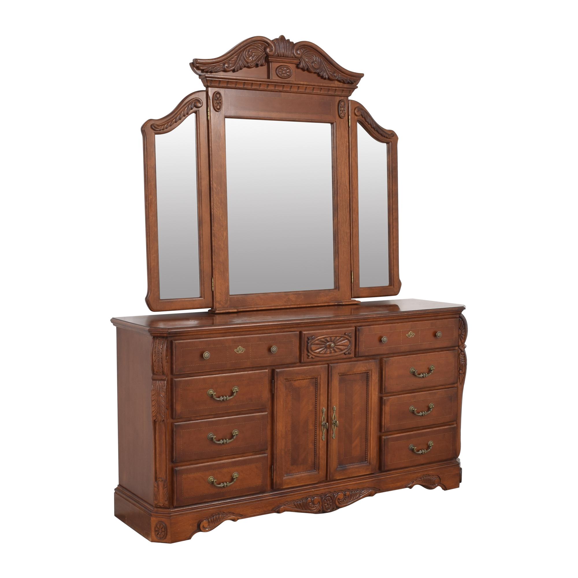 Dresser with Tri Fold Mirror ma