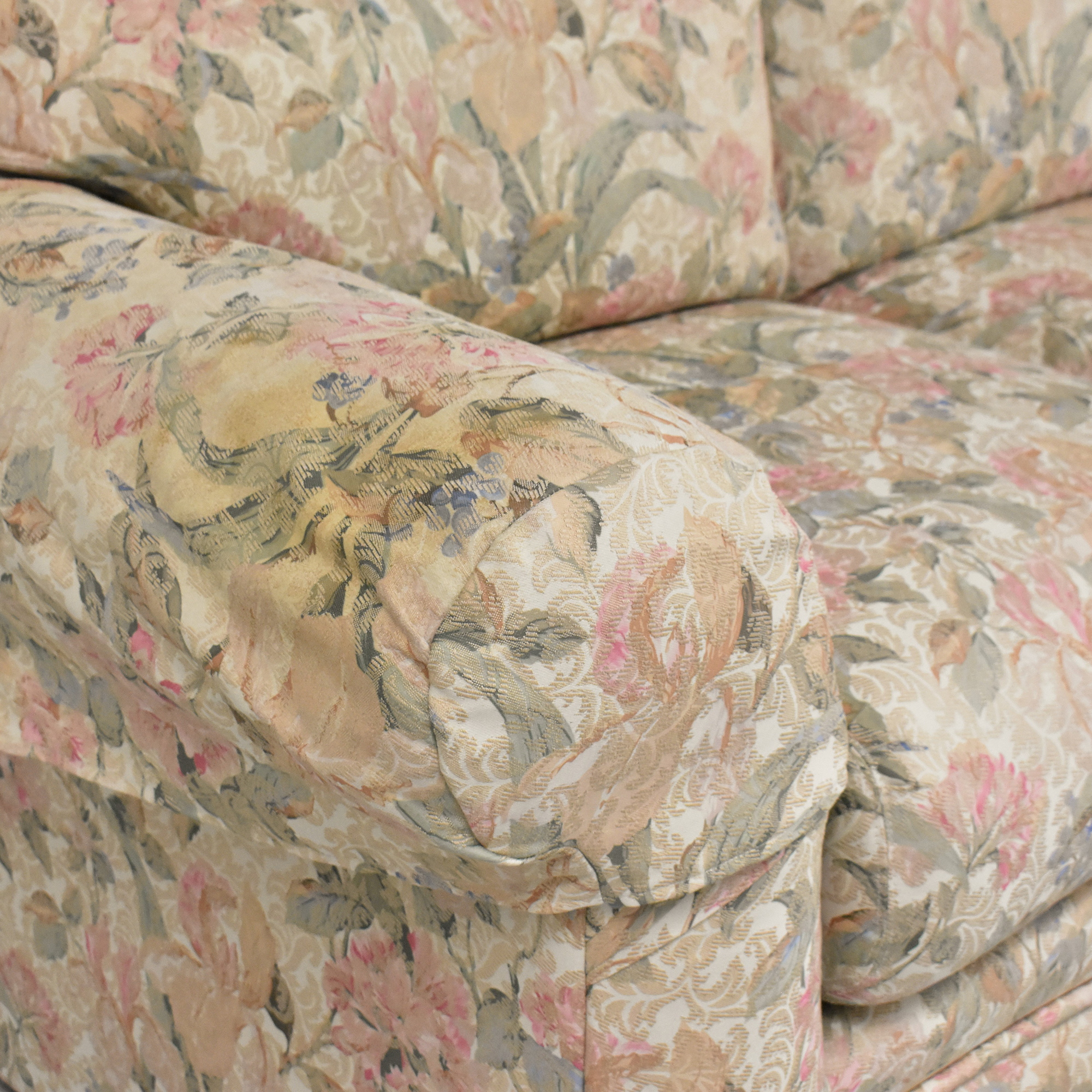 Heritage Heritage Floral Three Cushion Sofa discount