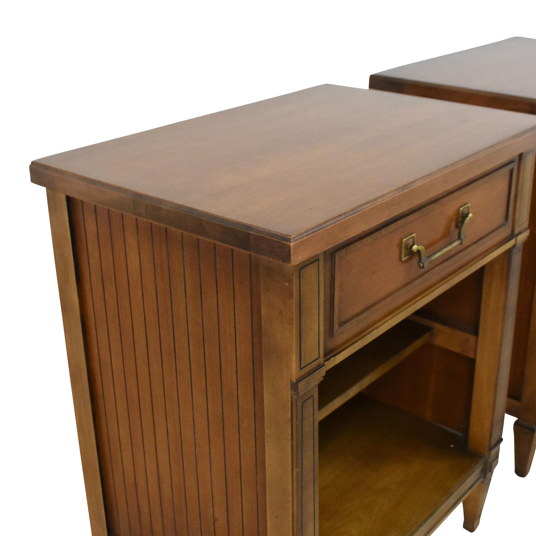 Vanleigh Furniture Vanleigh Furniture Night Tables discount