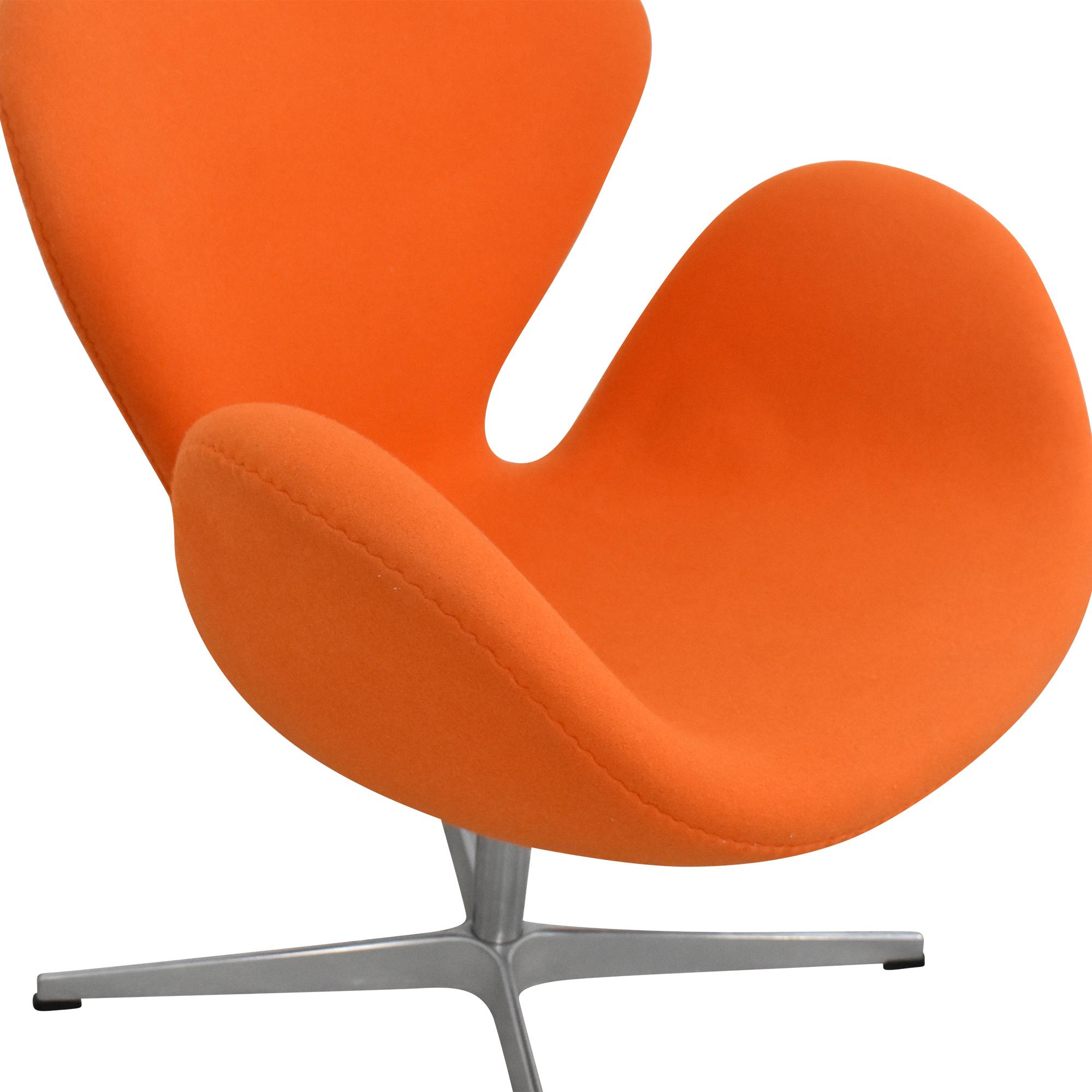 Fritz Hansen Fritz Hansen Swan Chair by Arne Jacobson ma