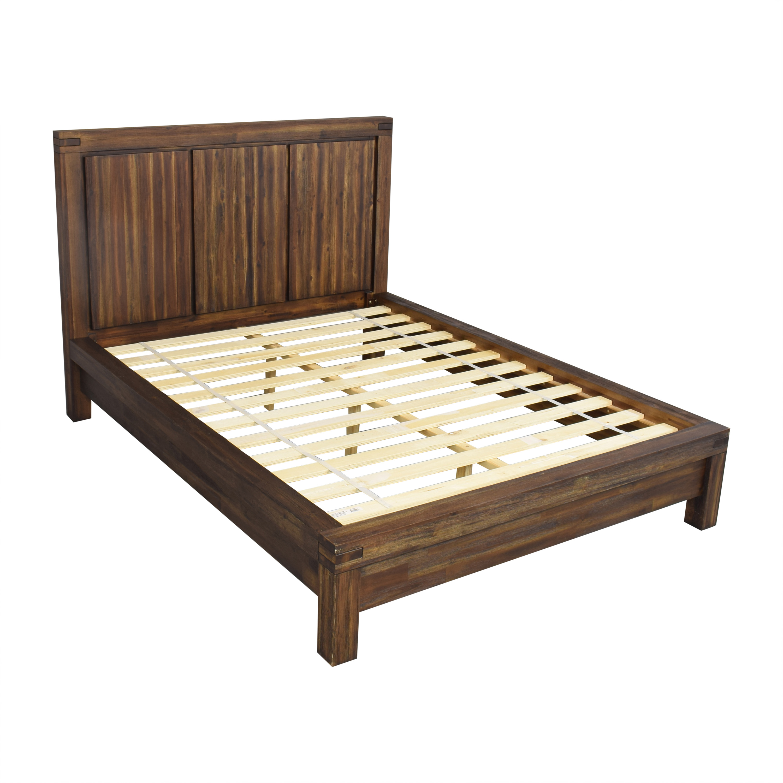 Macy's Macy's Avondale Queen Platform Bed on sale