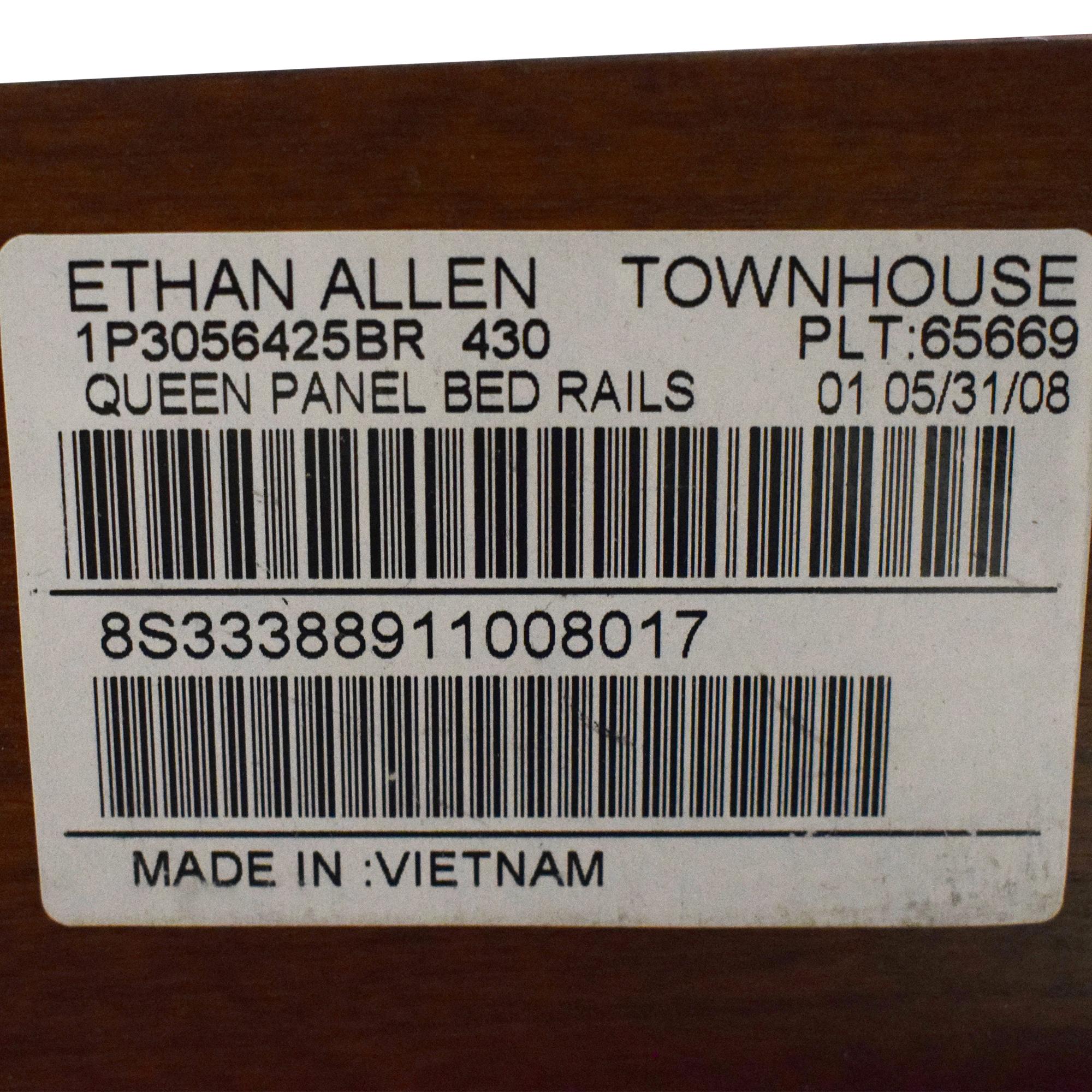 Ethan Allen Ethan Allen Townhouse Wentworth Queen Panel Bed brown