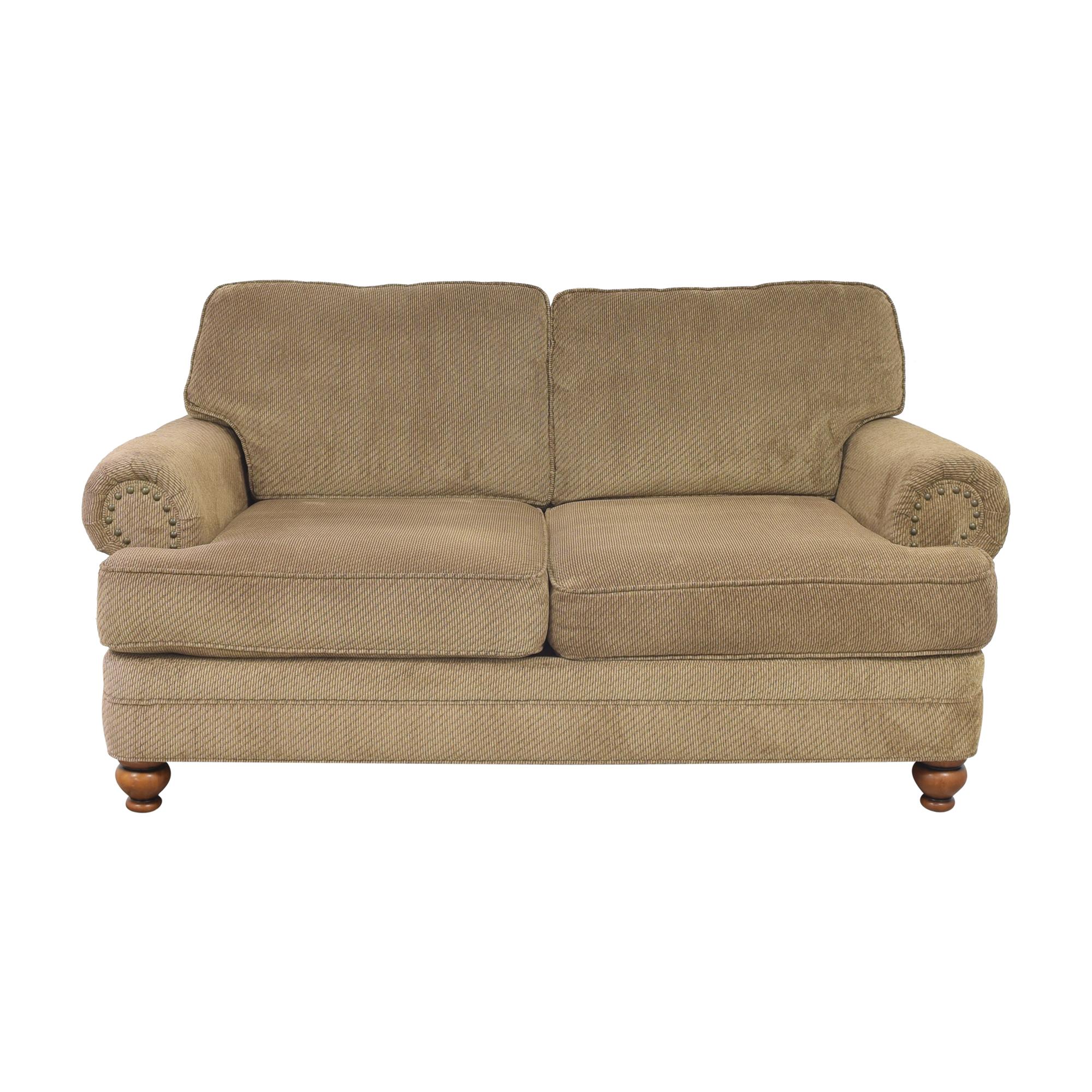 HM Richards Furniture HM Richards Furniture Tifton Loveseat ma