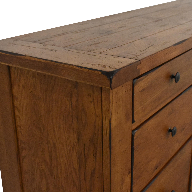 Broyhill Attic Heirlooms Nine Drawer Dresser / Storage