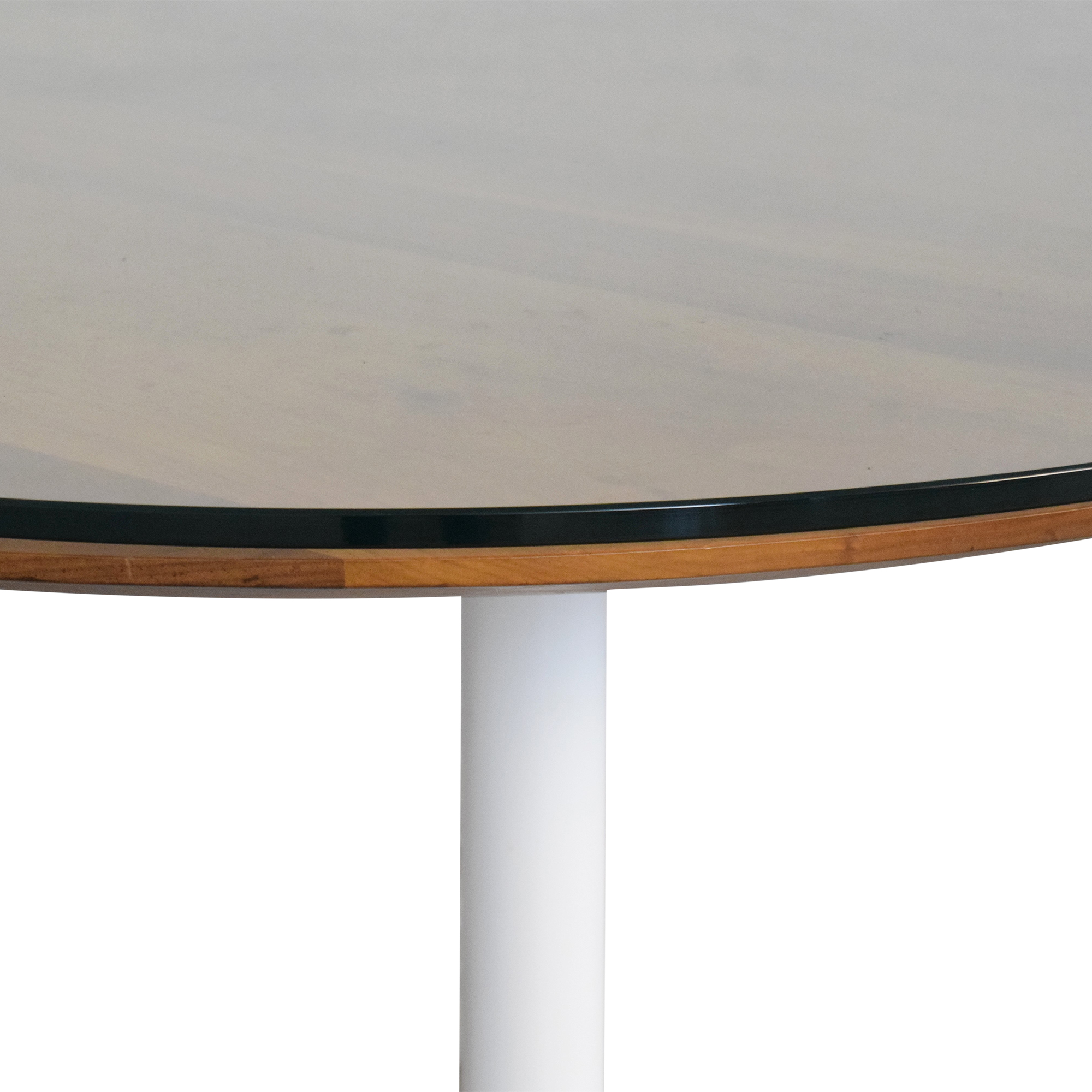 Room & Board Room & Board Aria Round Dining Table nj