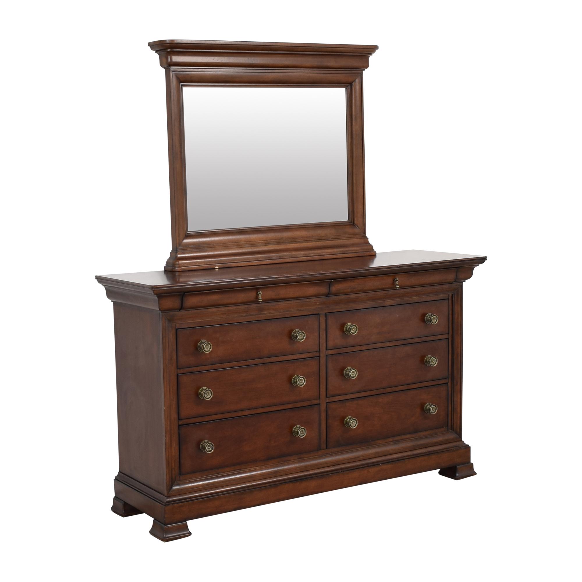 Bassett Eight Drawer Dresser with Mirror / Storage