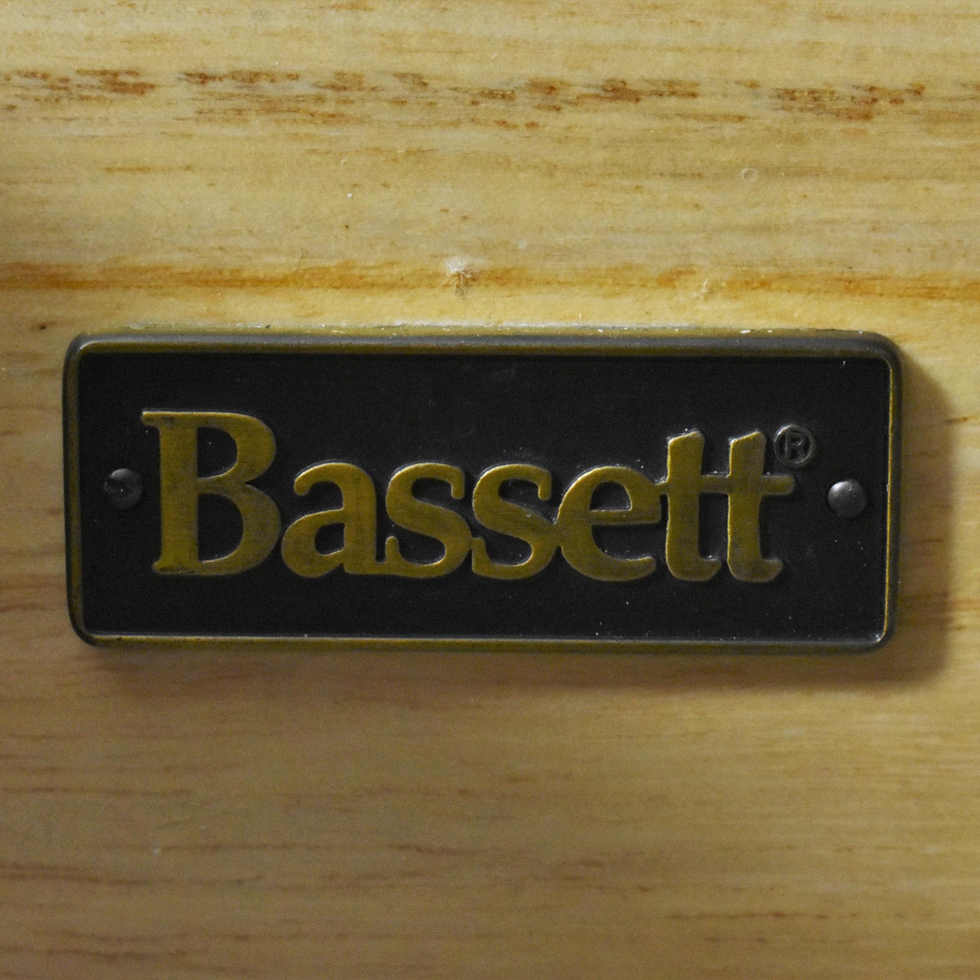 Bassett Furniture Bassett Eight Drawer Dresser with Mirror ct