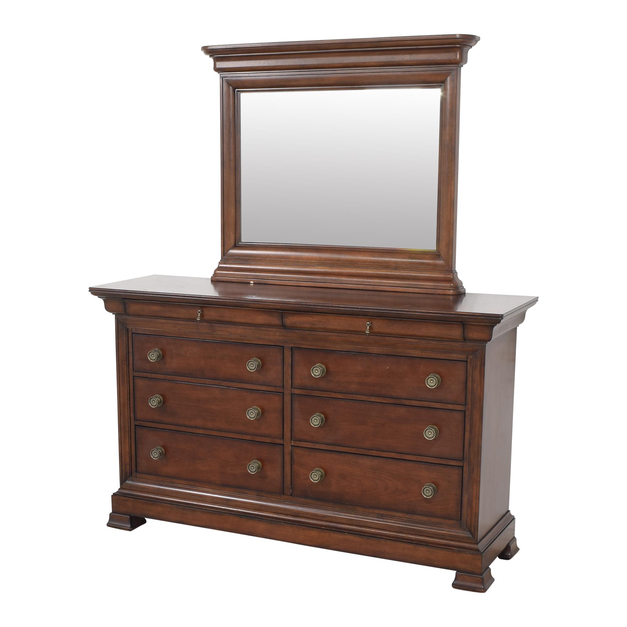 Bassett Furniture Bassett Eight Drawer Dresser with Mirror nyc