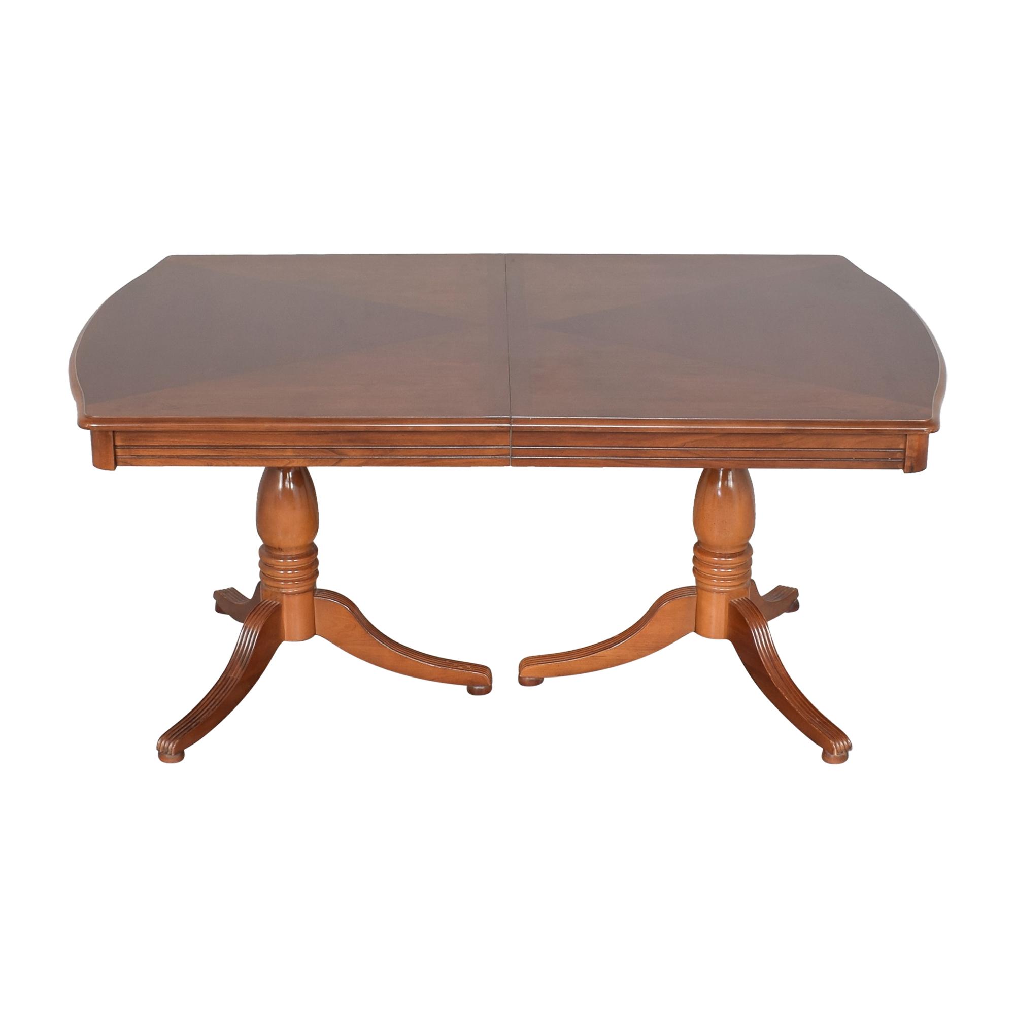 Bassett Extendable Dining Table / Dinner Tables