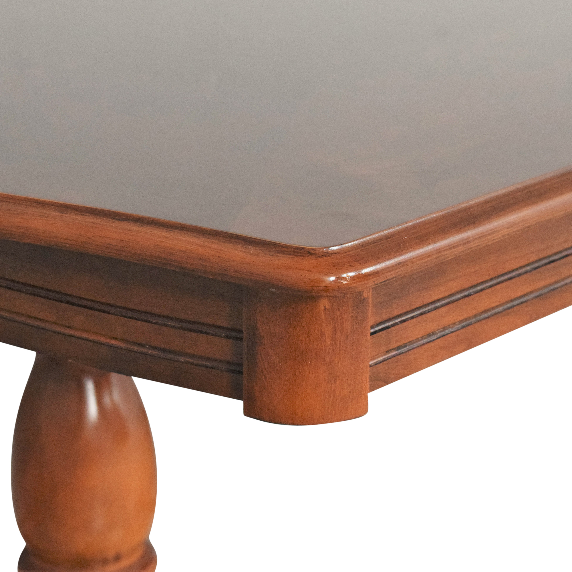 Bassett Extendable Dining Table / Tables