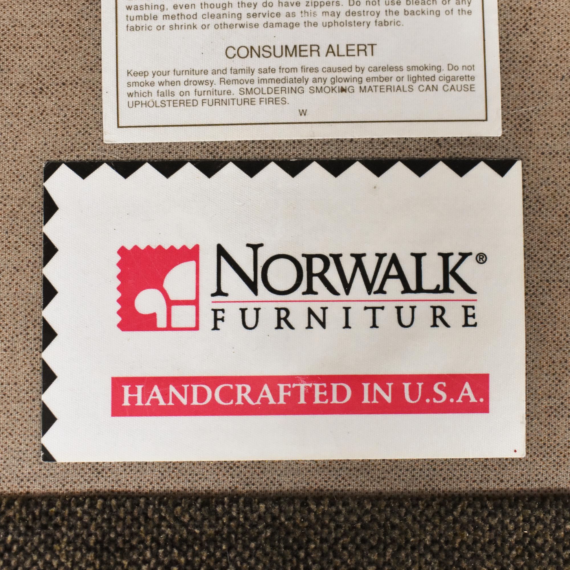 Norwalk Furniture Norwalk Furniture Roll Arm Loveseat used