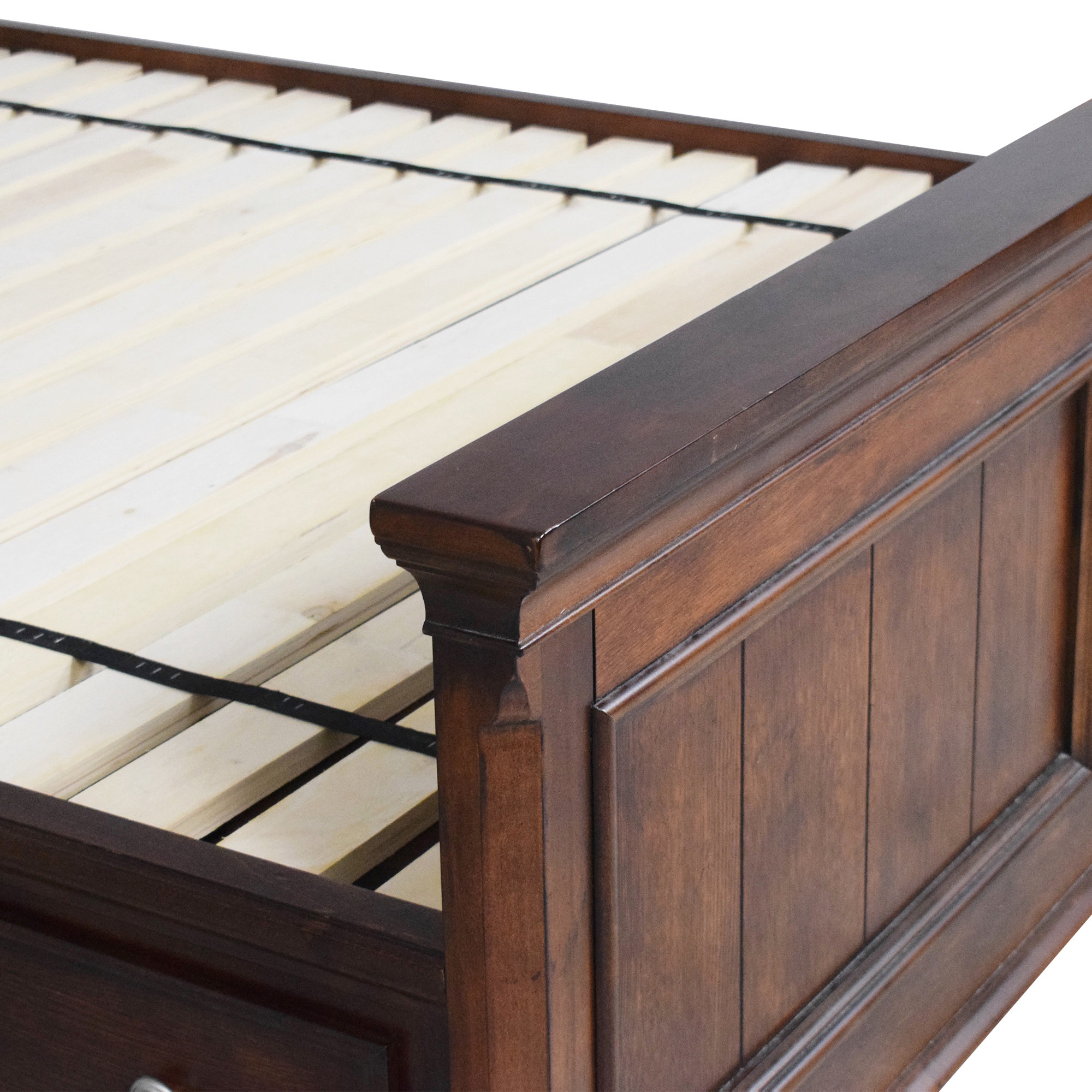 buy Raymour & Flanigan Legacy Storage Queen Bed Raymour & Flanigan Bed Frames