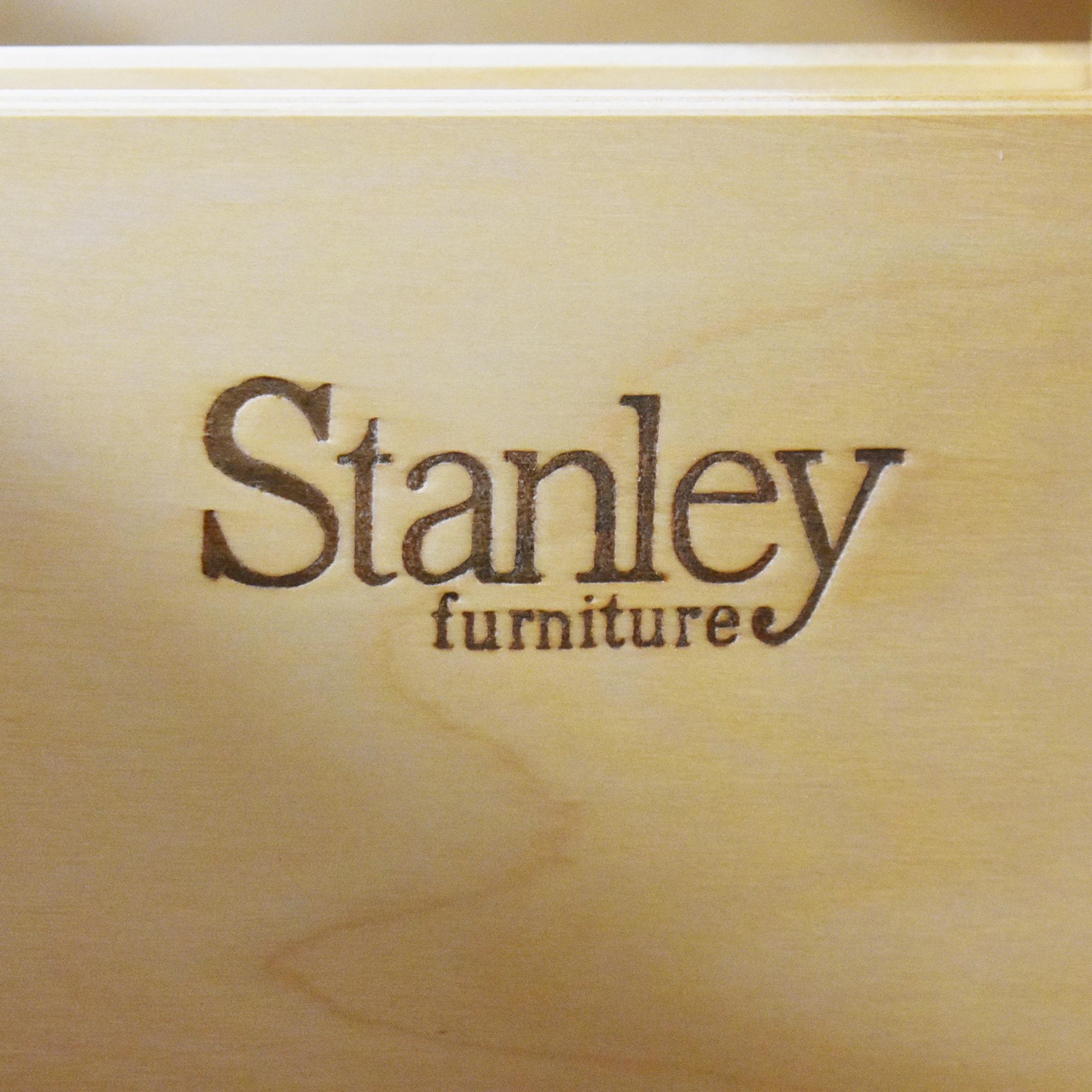 Stanley Furniture Stanley Furniture Seven Drawer Dresser with Mirror ct