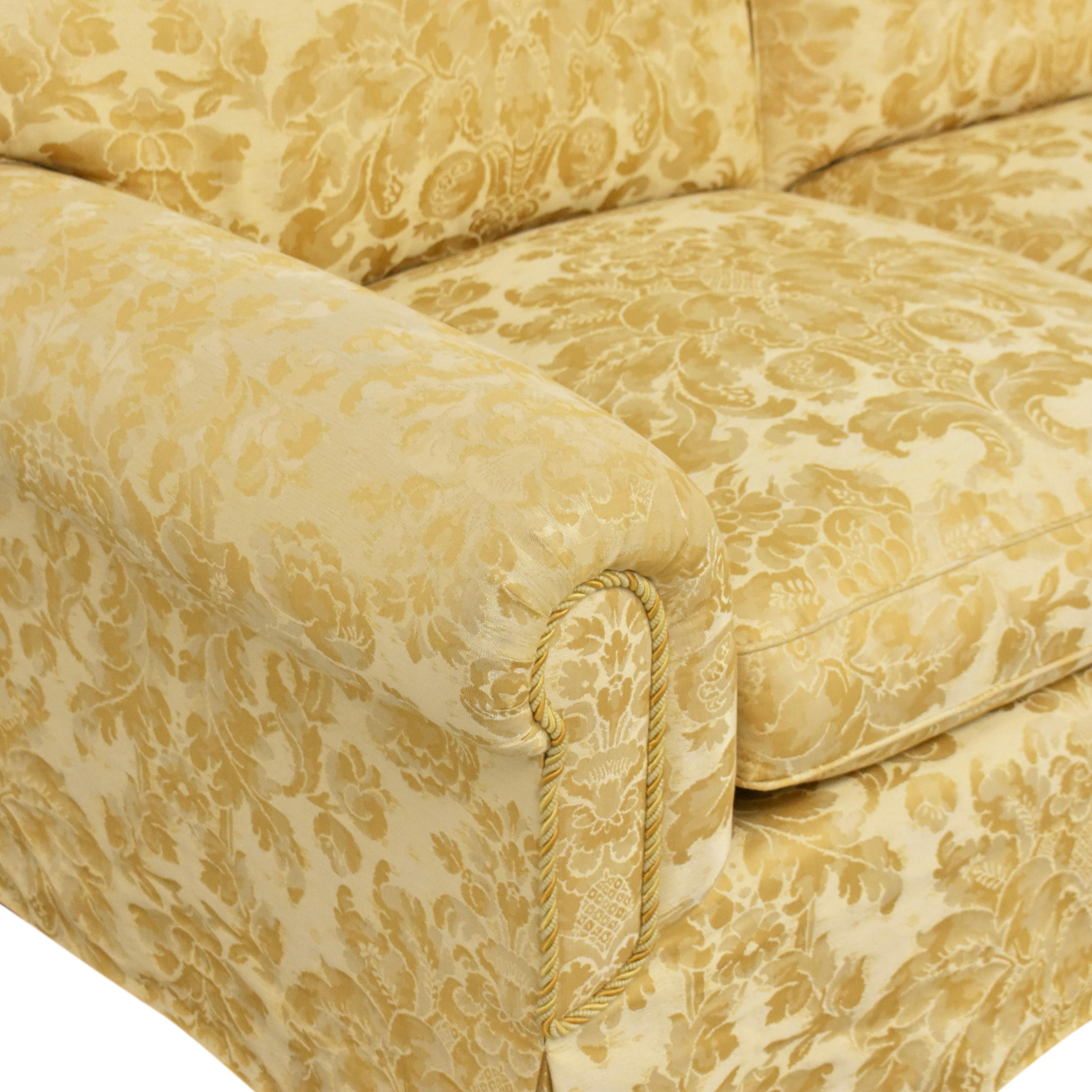 Damask Skirted Sofa / Classic Sofas
