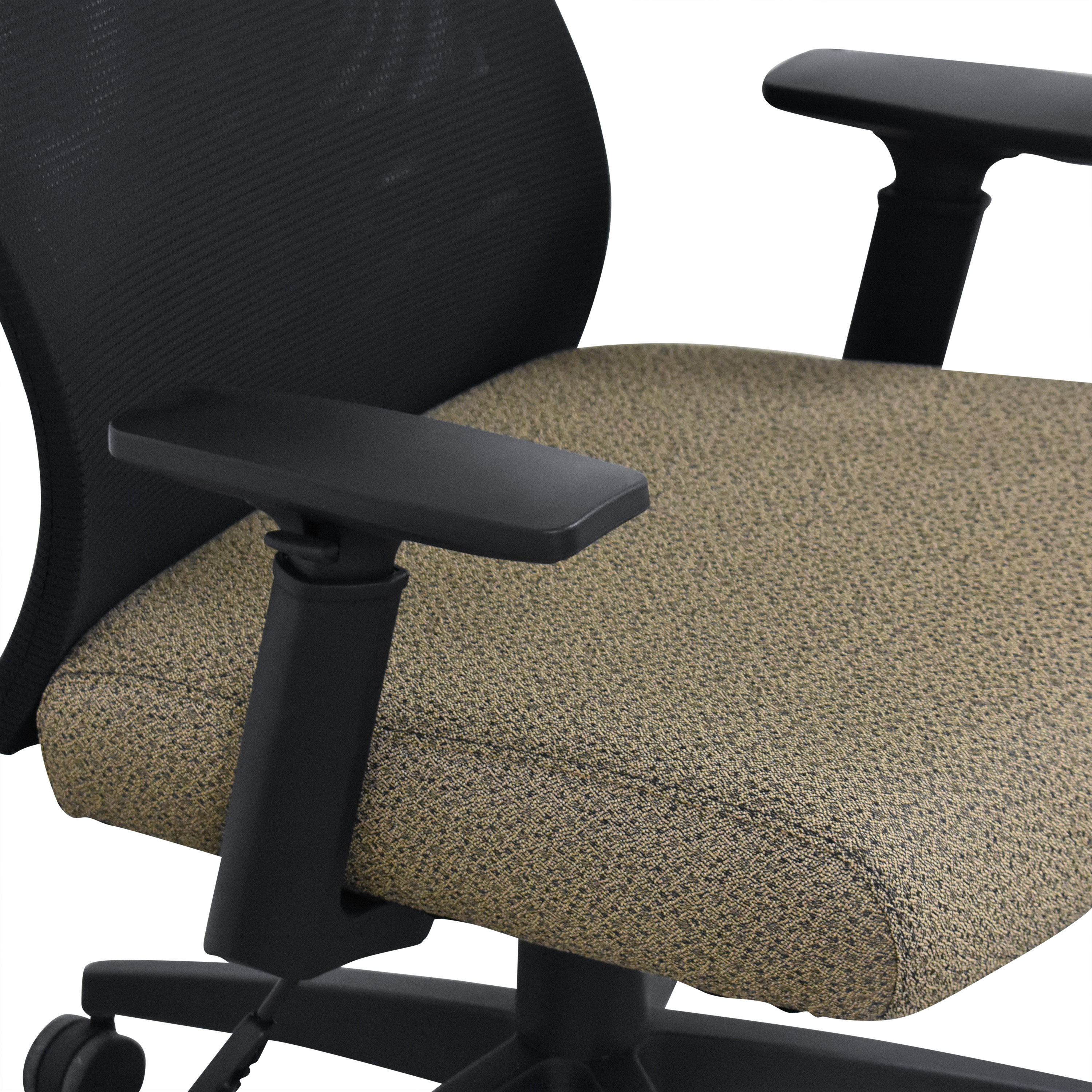 Offices to Go Offices to Go Mesh Back Synchro-Tilter Chair second hand