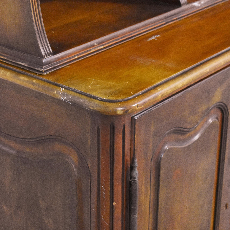 Vanleigh Furniture Vanleigh Furniture Breakfront with Hutch